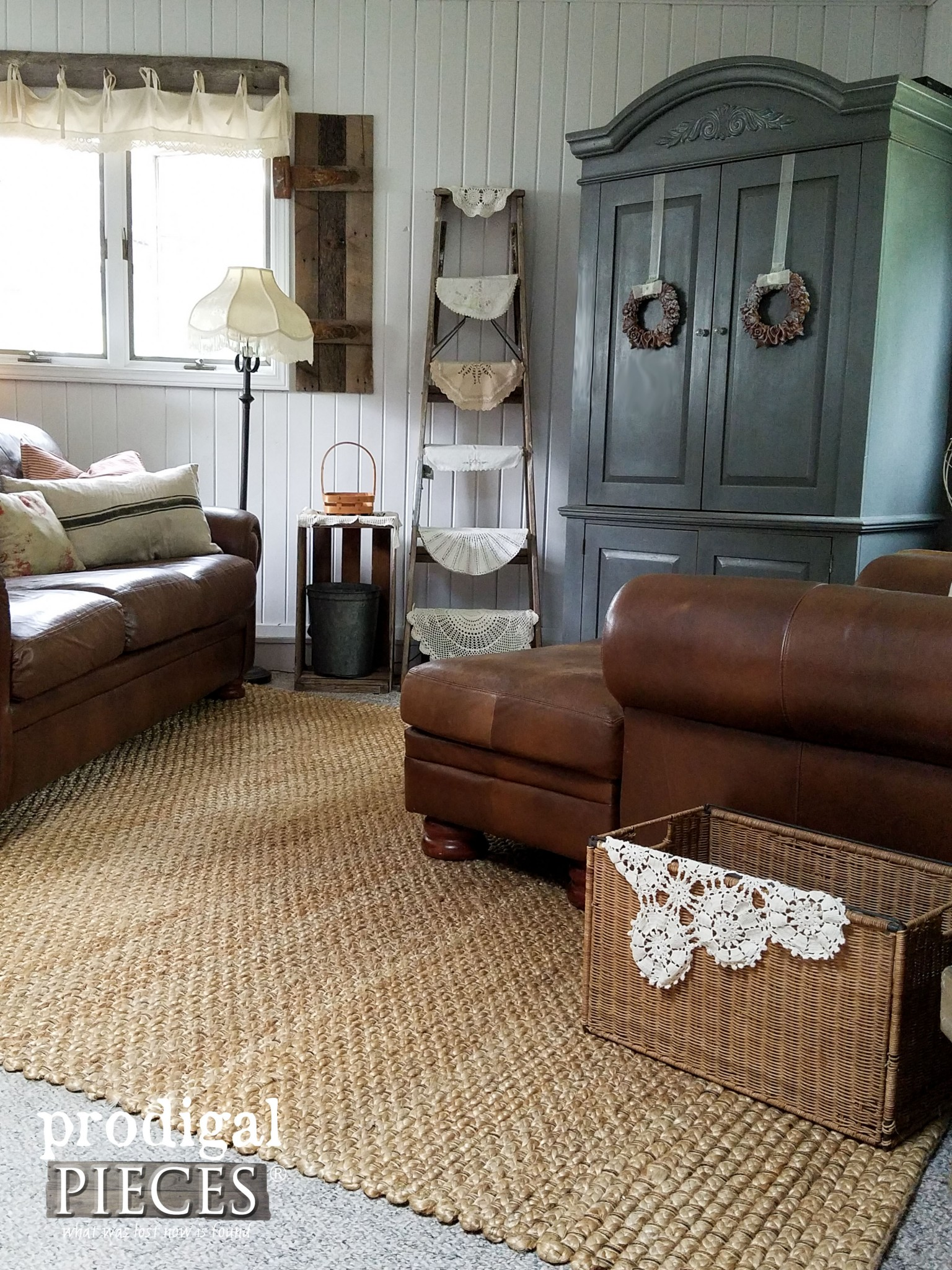 Rustic Farmhouse Style Family Room with Jute Area Rug | Prodigal Pieces | www.prodigalpieces.com