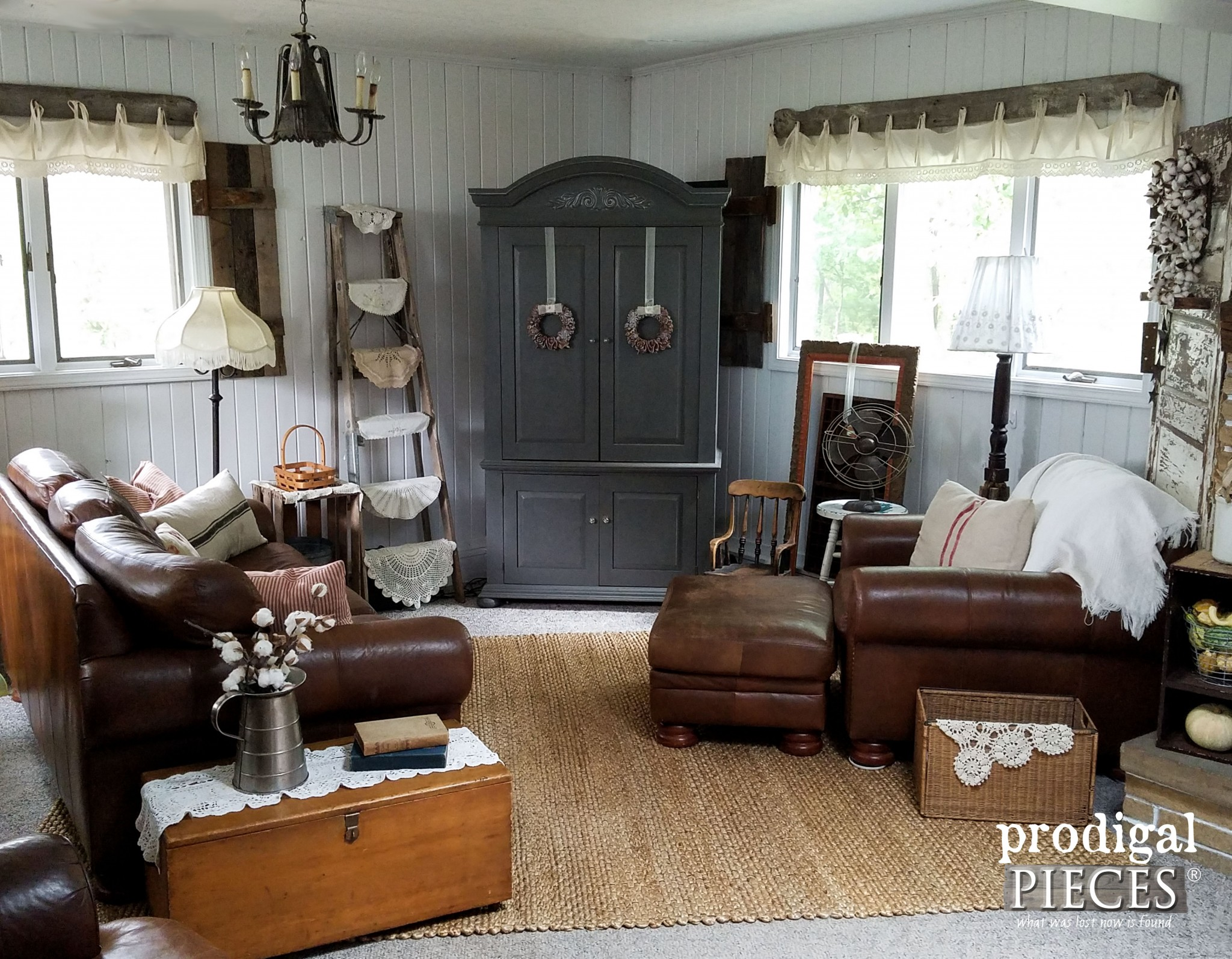 Farmhouse Family Room with Natural Jute Area Rug | Affordable Area Rugs featured by Prodigal Pieces | www.prodigalpieces.com