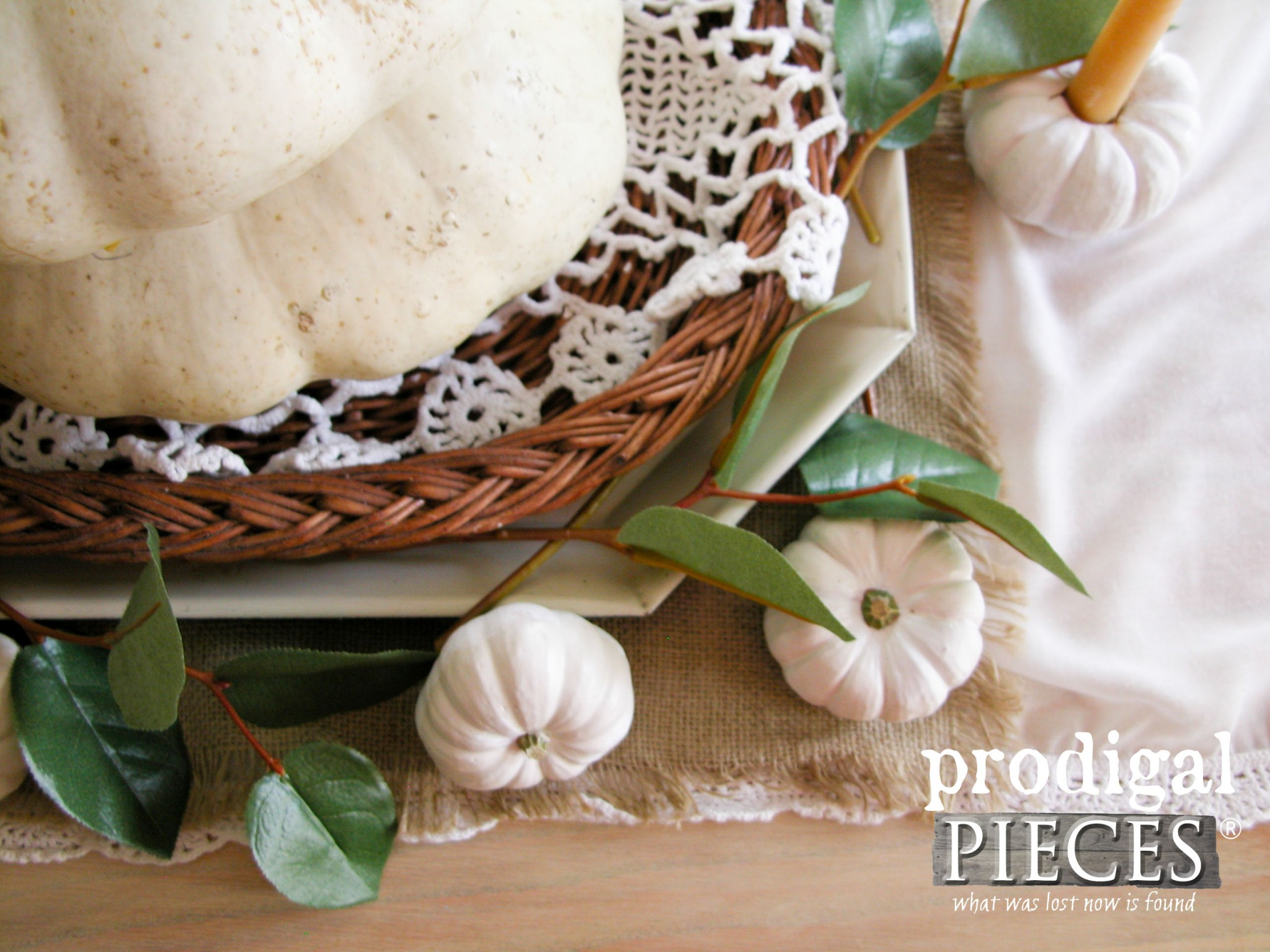 Adds Layers to Your Thanksgiving Table for Added Charm | Prodigal Pieces | www.prodigalpieces.com