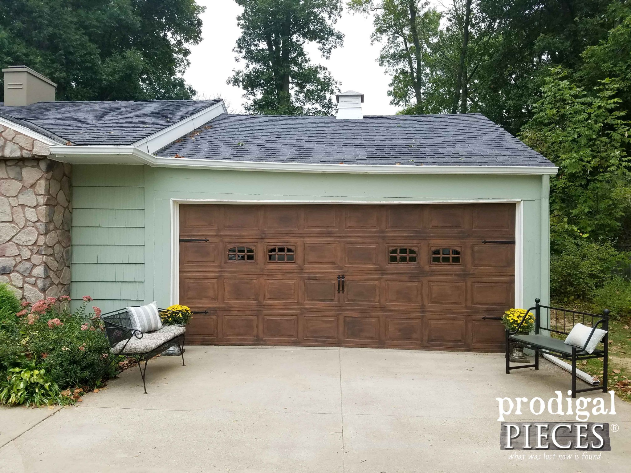 Faux Wood Garage Door Update by Prodigal Pieces | www.prodigalpieces.com