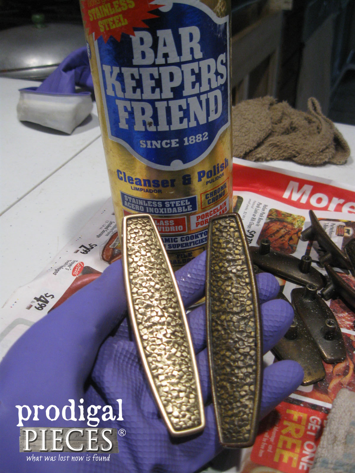 Bar Keepers Friend to Polish Tarnished Brass | Prodigal Pieces | www.prodigalpieces.com
