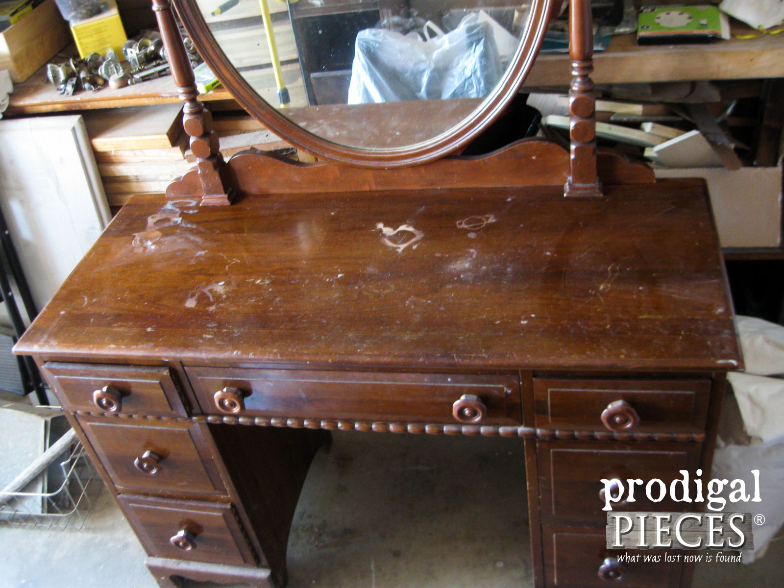 Top of Damaged Kroehler Vintage Vanity | Prodigal Pieces | www.prodigalpieces.com
