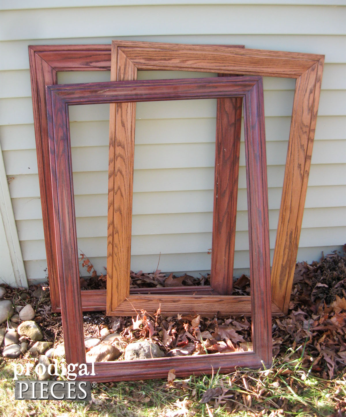 Thrifted Frames Before Makeover | Prodigal Pieces | prodigalpieces.com