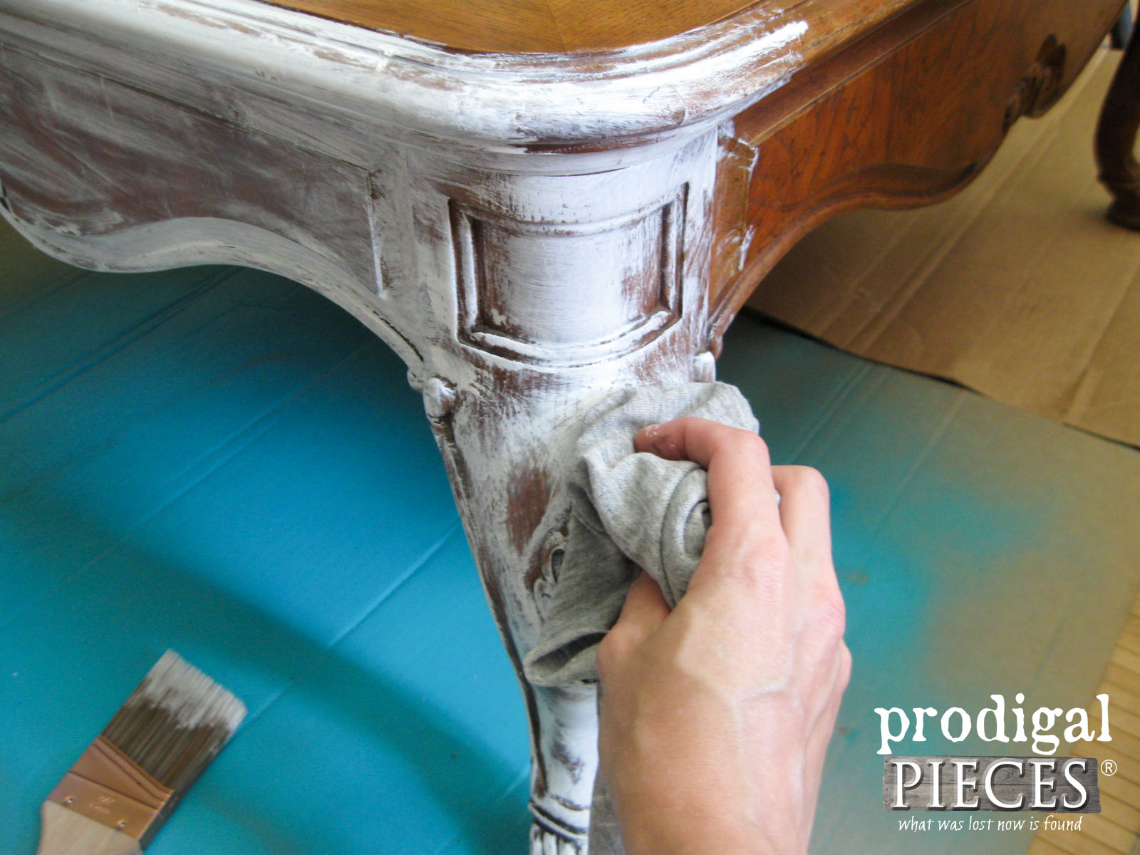 Whitewashing Coffee Table Legs | Prodigal Pieces | prodigalpieces.com