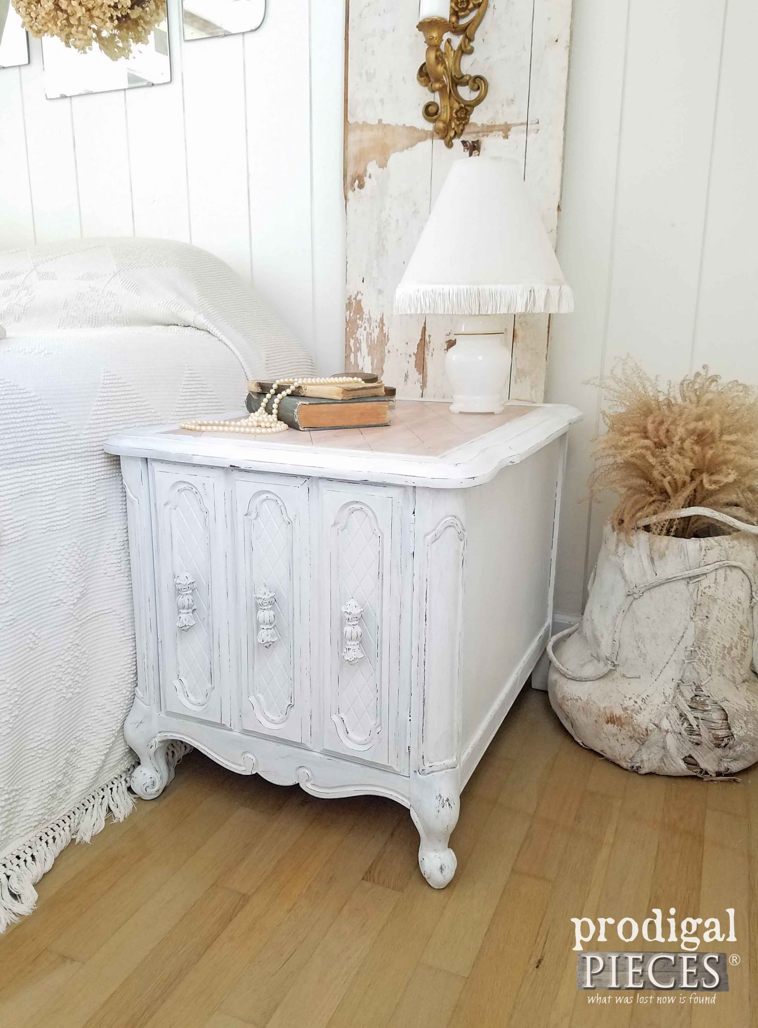 Farmhouse Chic Nightstand Makeover by Prodigal Pieces | prodigalpieces.com