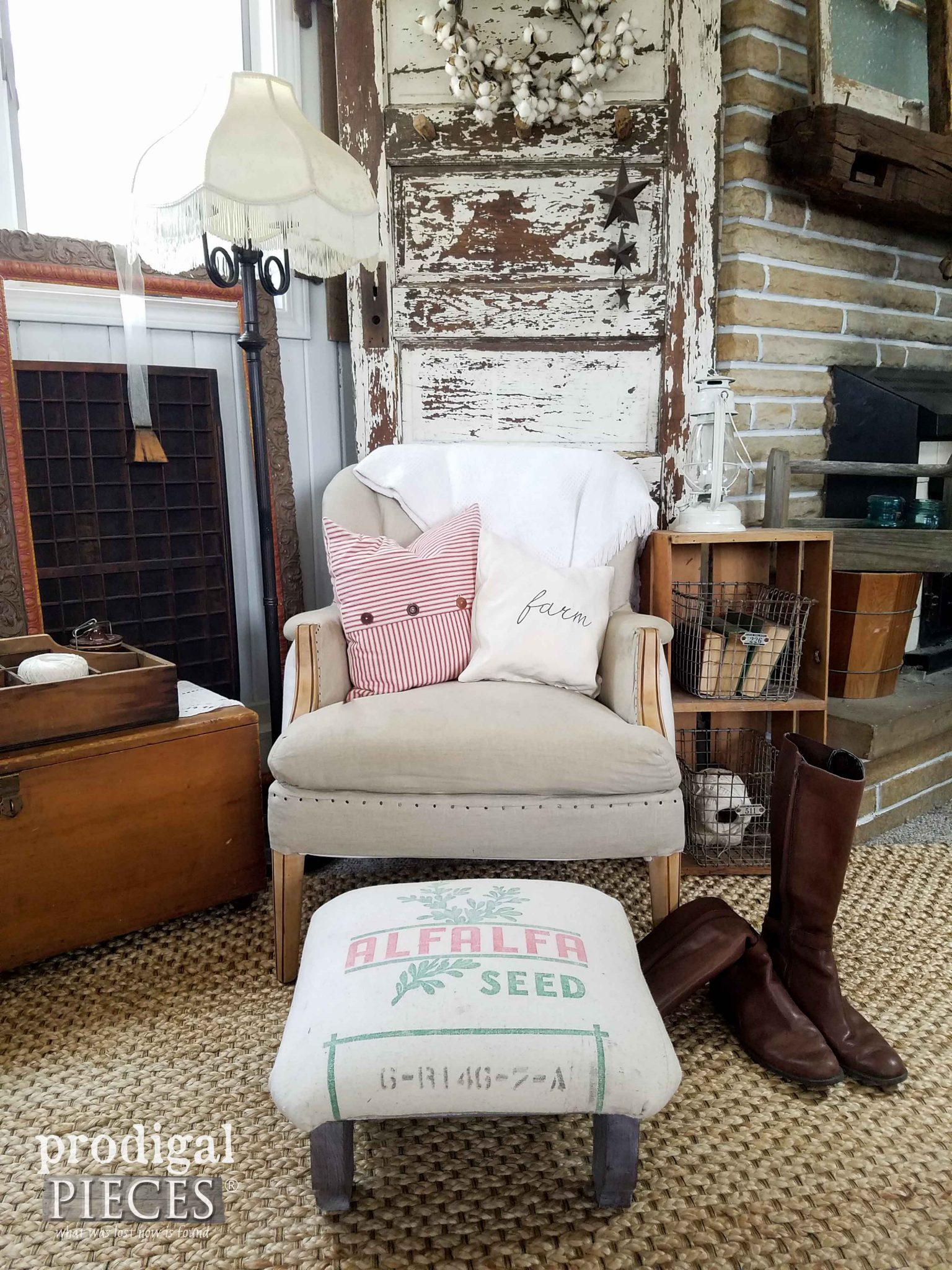Farmhouse Style Living Room by Prodigal Pieces | prodigalpieces.com
