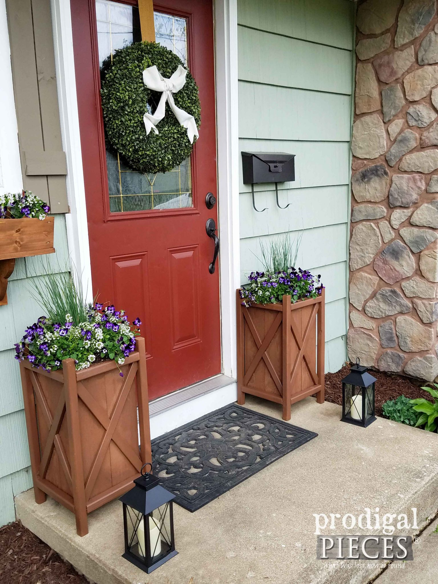 Build these DIY Planters for added curb appeal. Tutorial by Prodigal Pieces | prodigalpieces.com