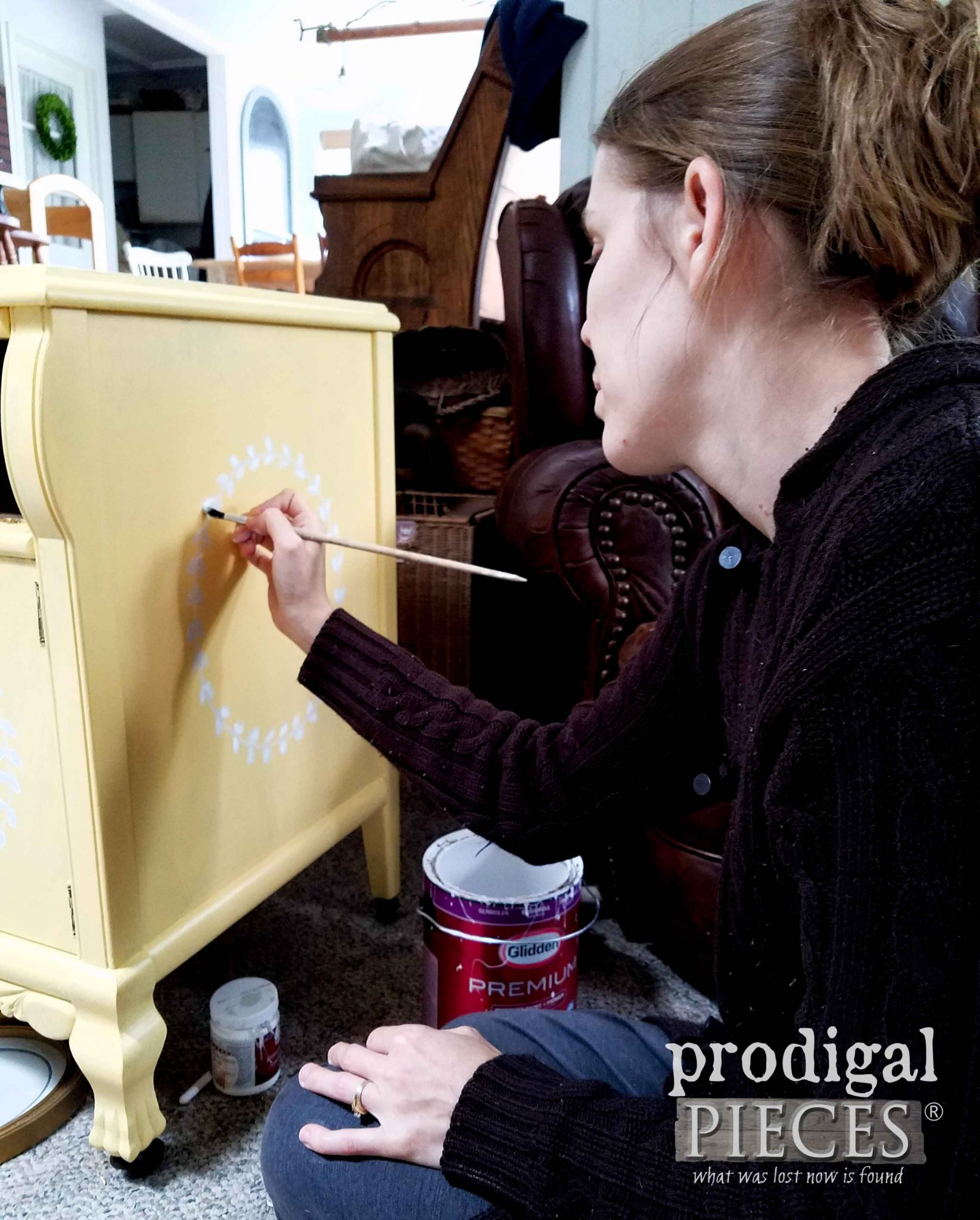 Larissa Haynes of Prodigal Pieces hand-painting | prodigalpieces.com