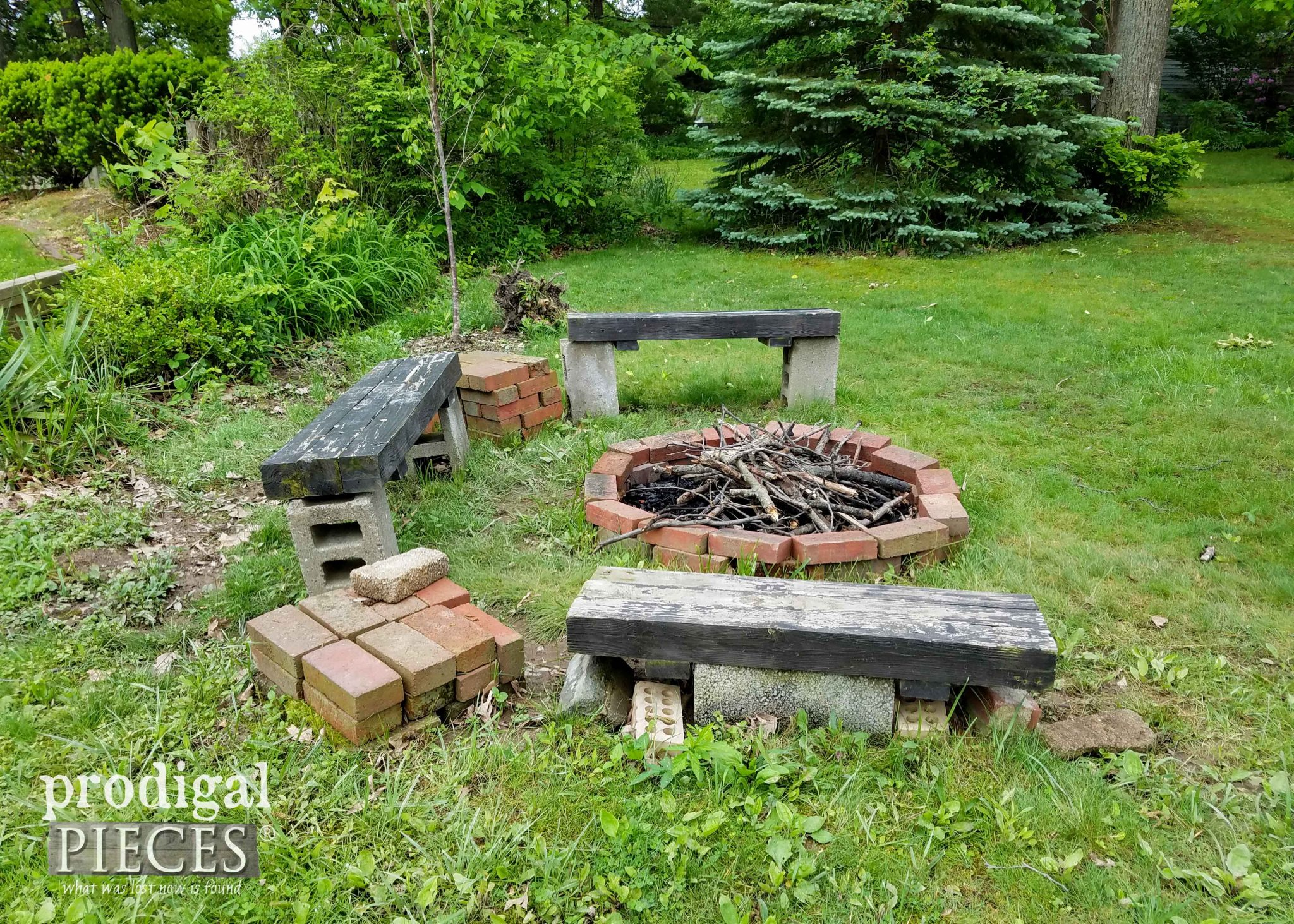 Backyard Fire Pit Before Makeover by Prodigal Pieces | prodigalpieces.com