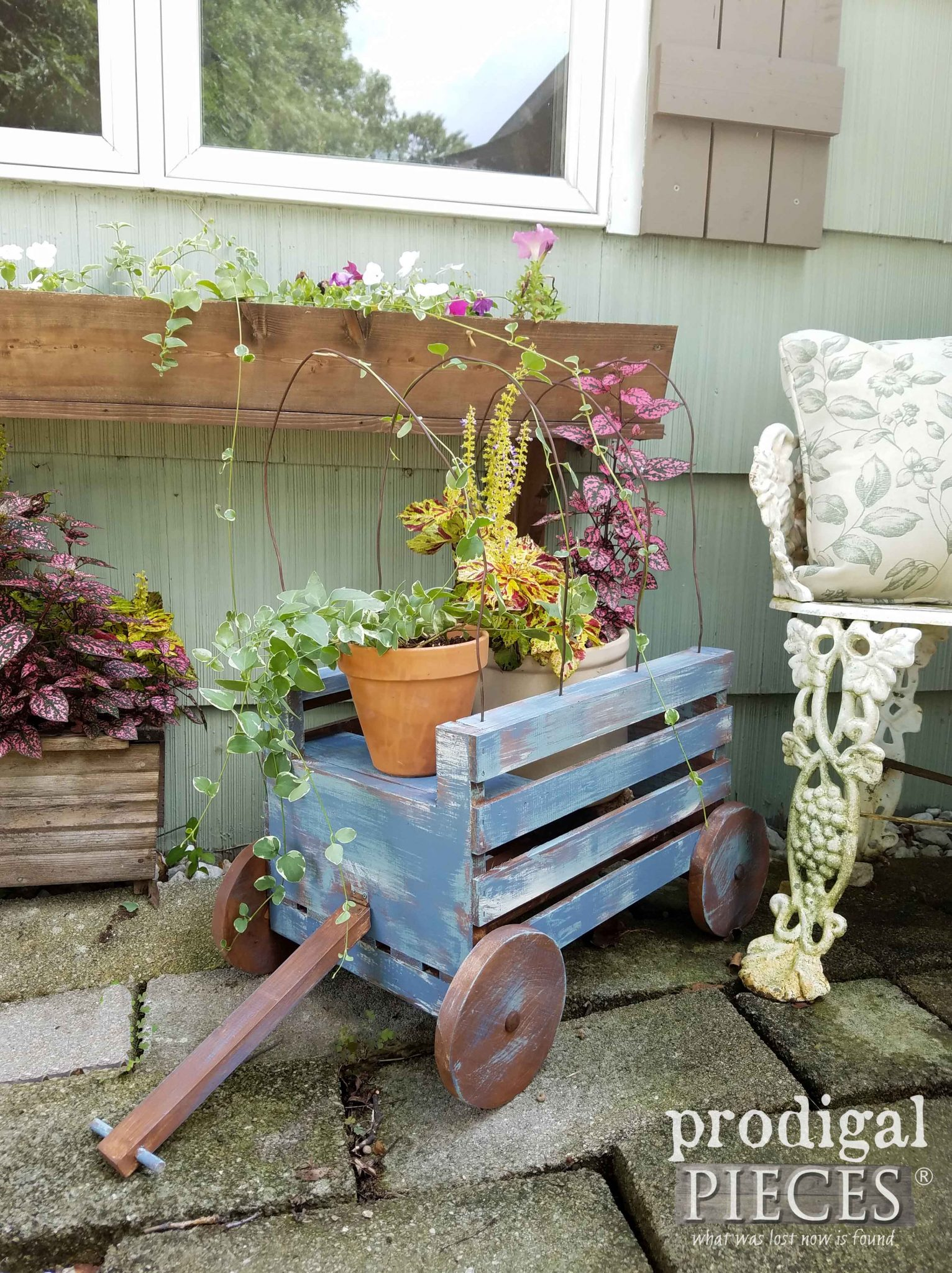 Little Blue Country Wagon DIY by Prodigal Pieces | prodigalpieces.com
