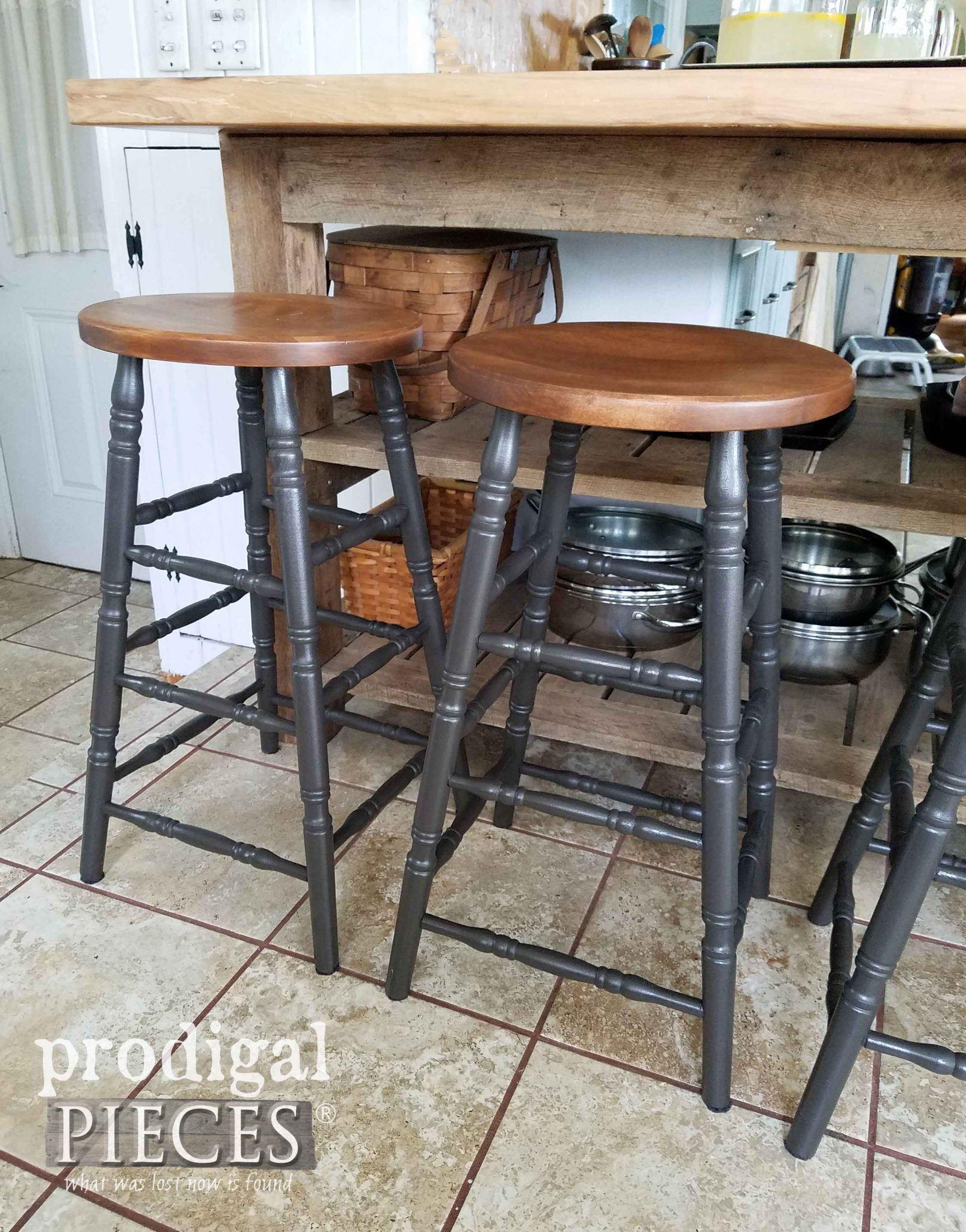 DIY Farmhouse Style Bar Stools with the HomeRight Finish Max Extra by Prodigal Pieces | prodigalpieces.com
