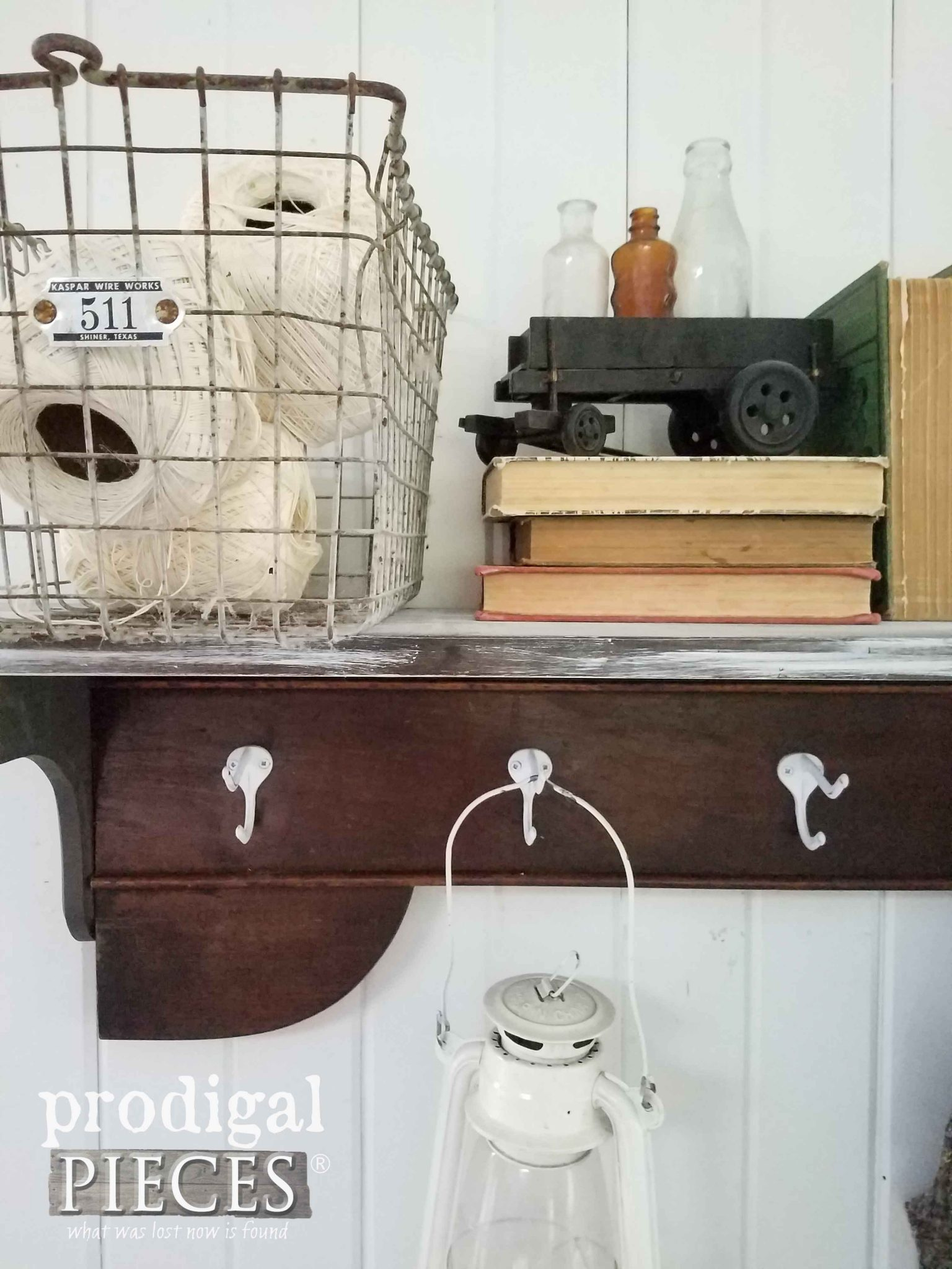 Farmhouse Style Entry Vignette by Prodigal Pieces | prodigalpieces.com