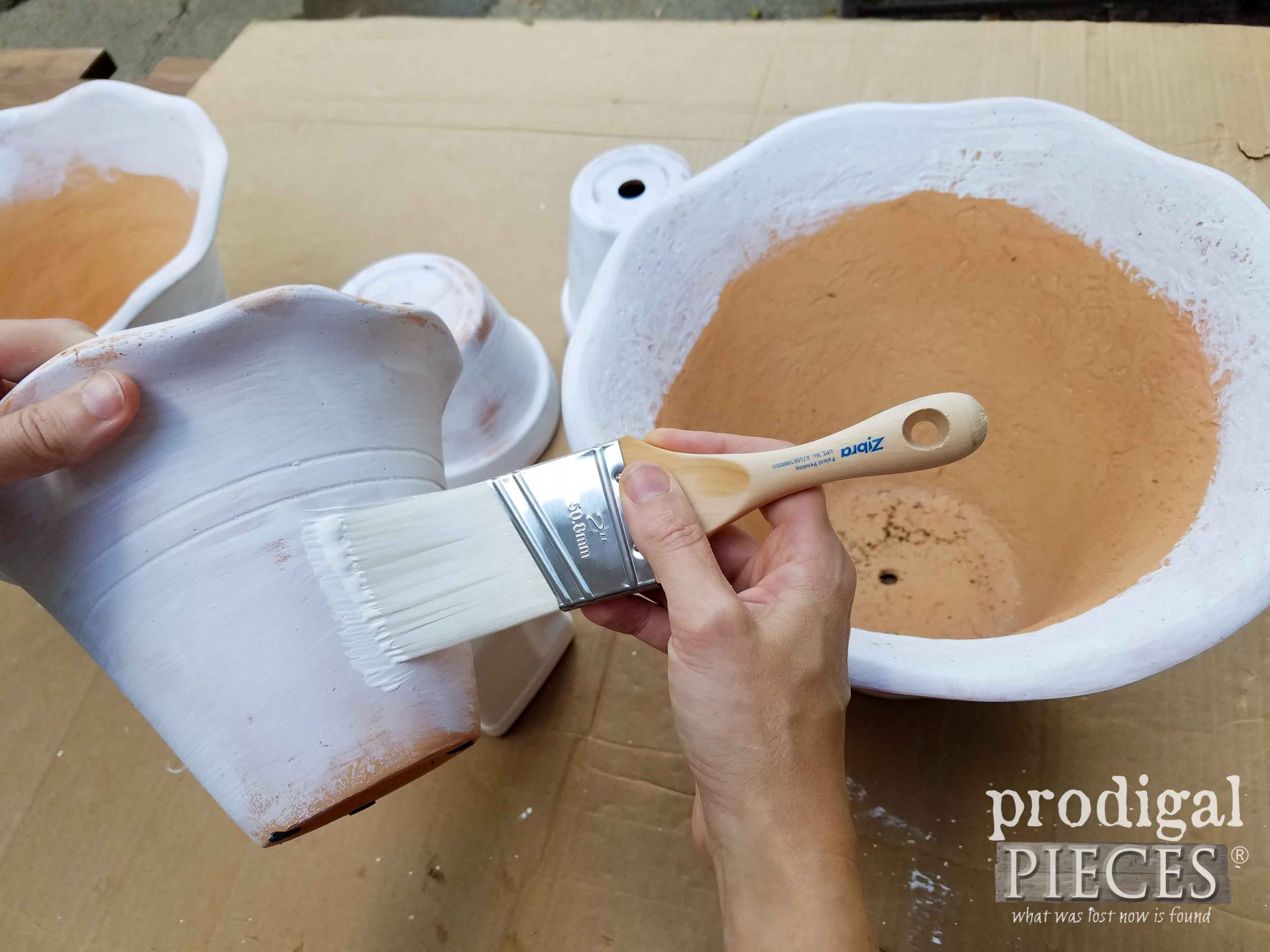 Whitewashing Pots for DIY tiered planter by Prodigal Pieces | prodigalpieces.com