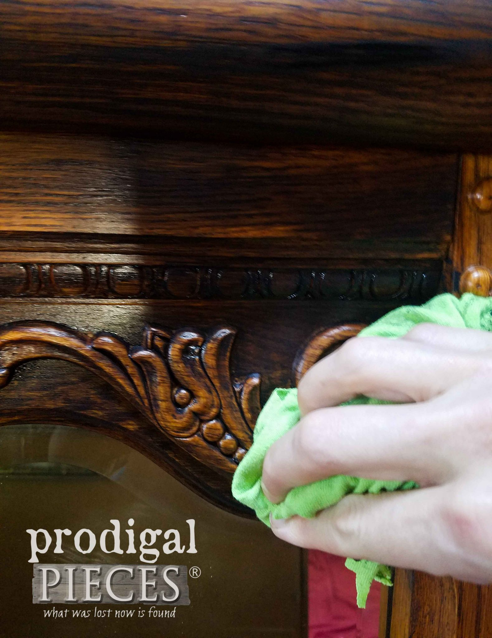 Wiping Paint off of Ornate Mirror by Prodigal Pieces | prodigalpieces.com