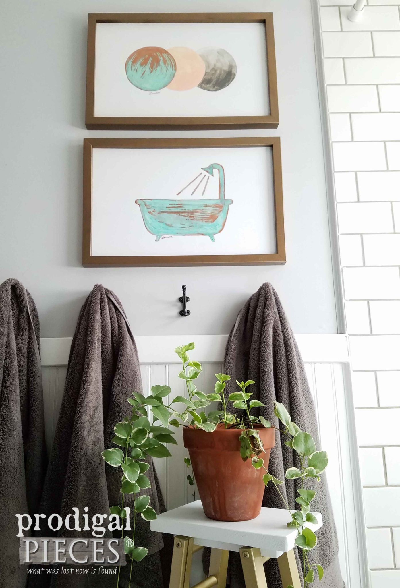 Boho Chic Bathroom Decor with Copper Wall Art by Prodigal Pieces | prodigalpieces.com