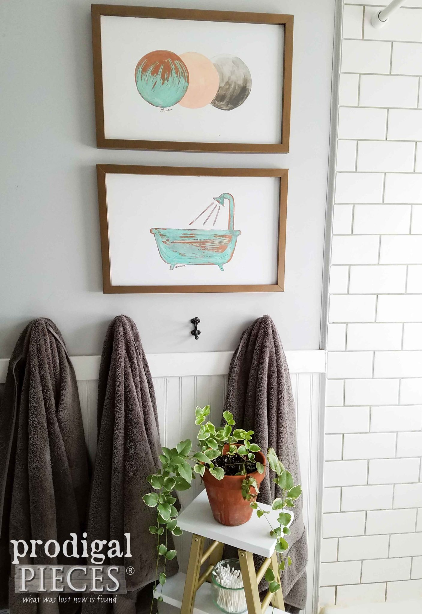 Boho Chic Bathroom with DIY Copper Wall Art by Prodigal Pieces | prodigalpieces.com