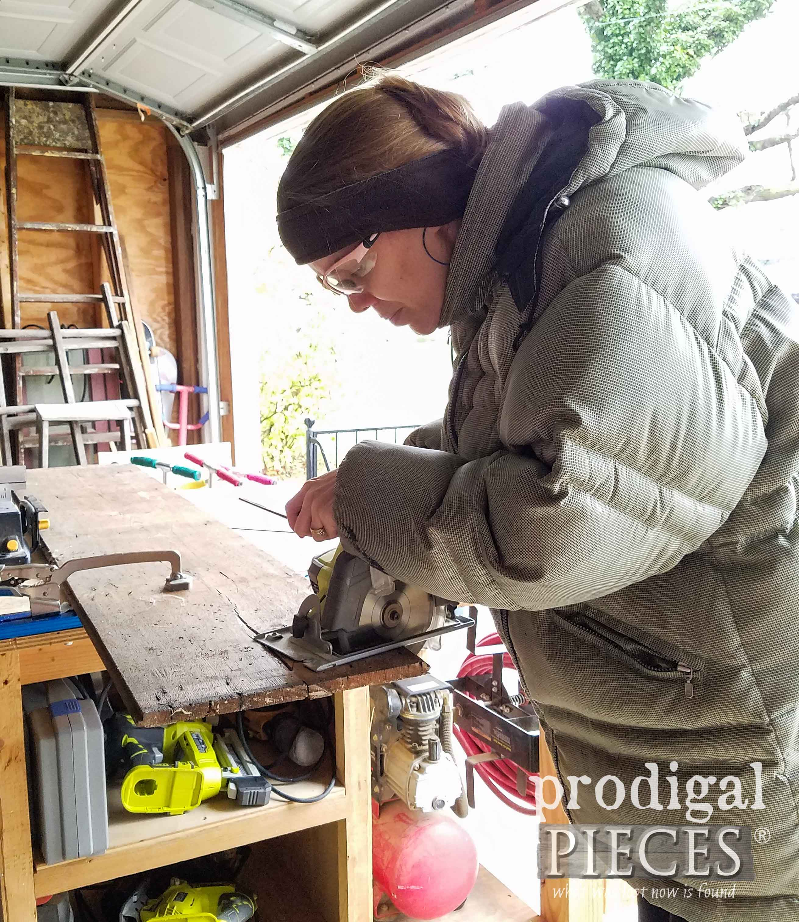 Cutting Barn Siding with Ryobi Circular Saw by Prodigal Pieces | prodigalpieces.com