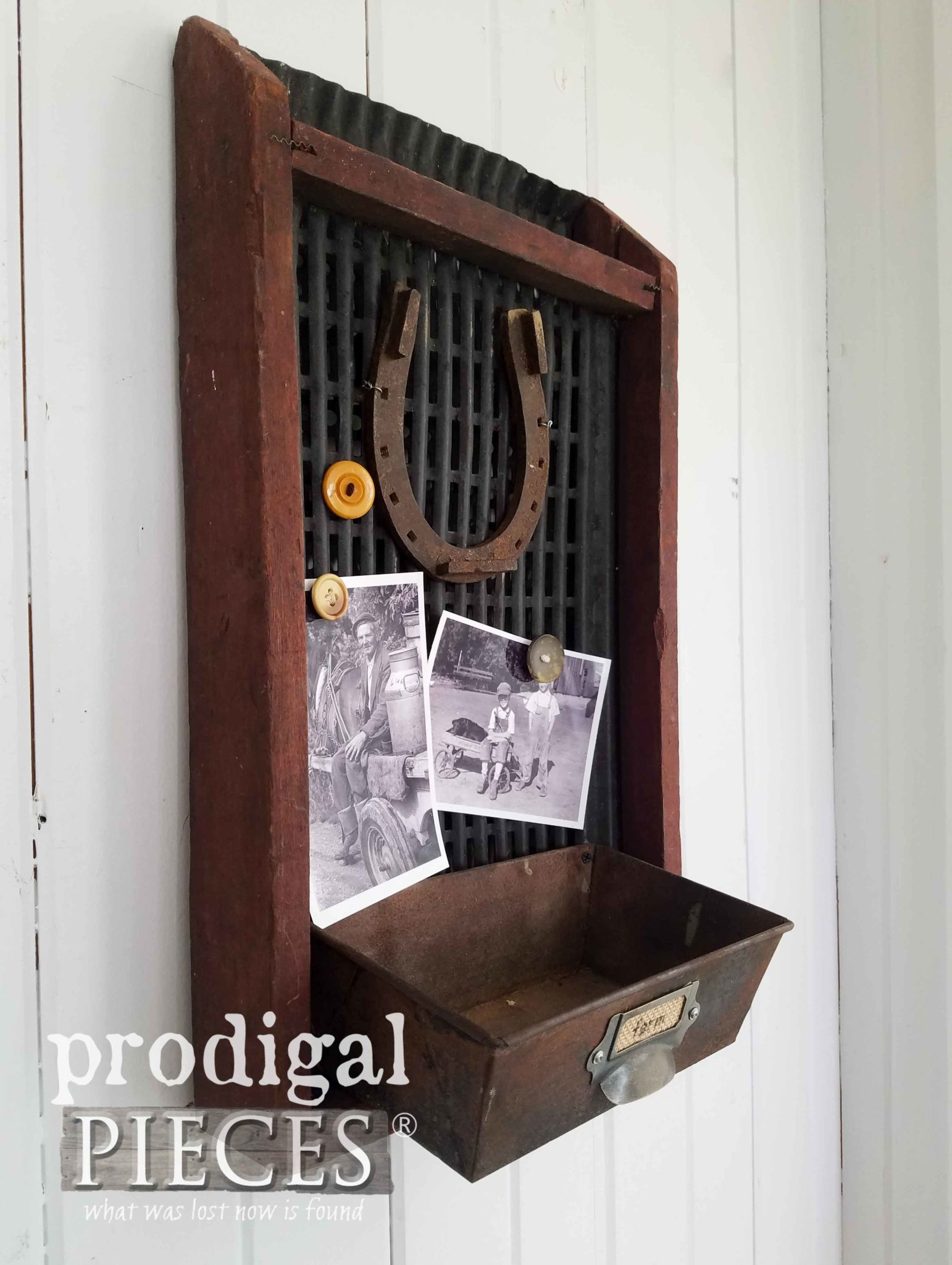 Upcycled Farmhouse Corn Sifter Turned Message Center | prodigalpieces.com