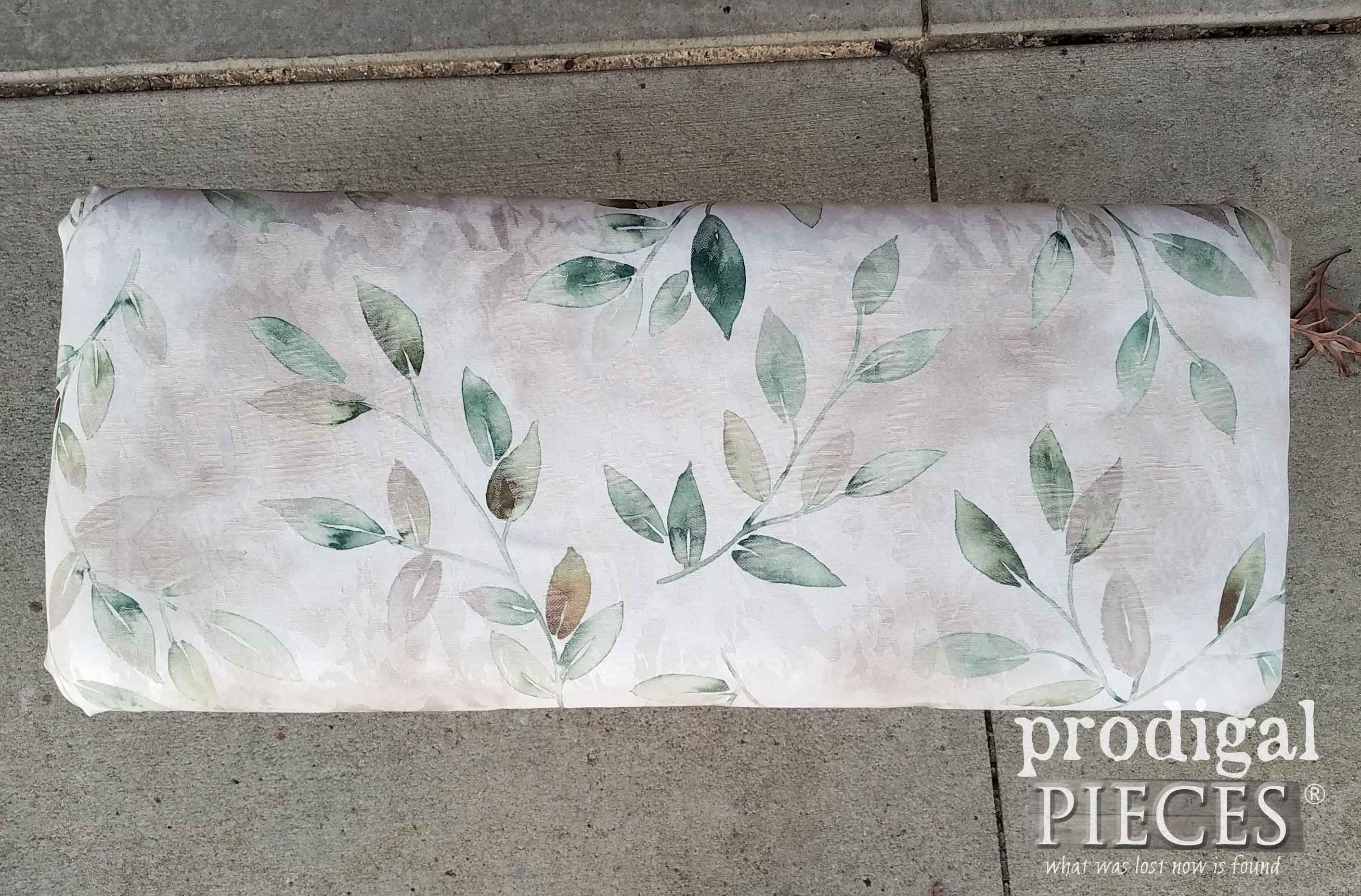 Upholstered Bench Top Before | prodigalpieces.com