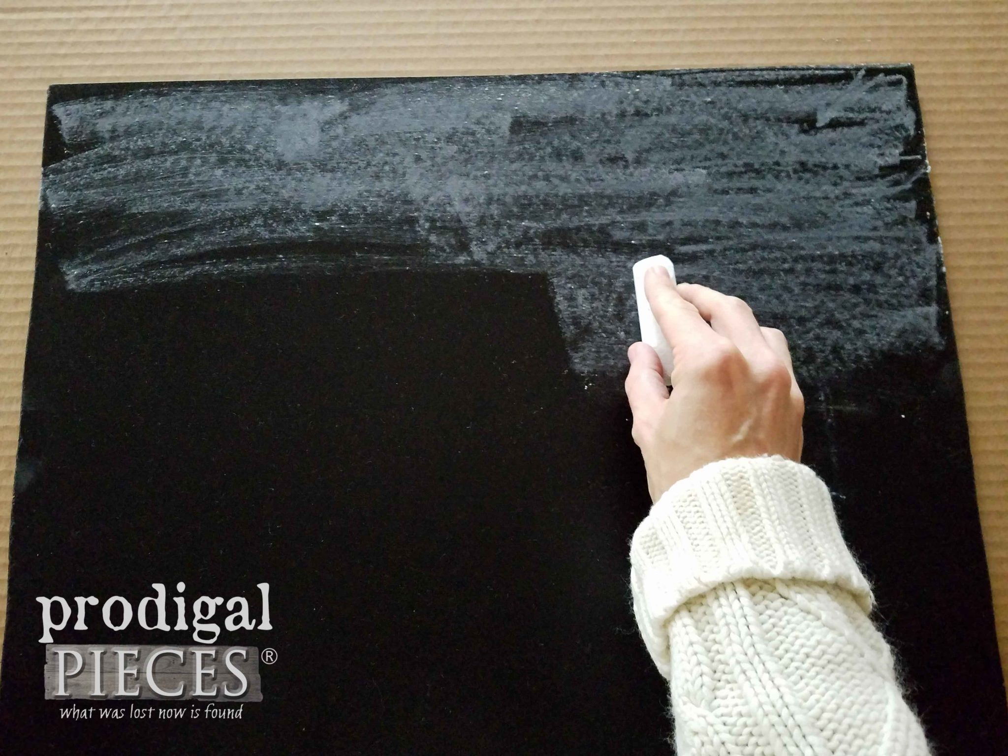 Prime your DIY chalkboard for longevity | prodigalpieces.com