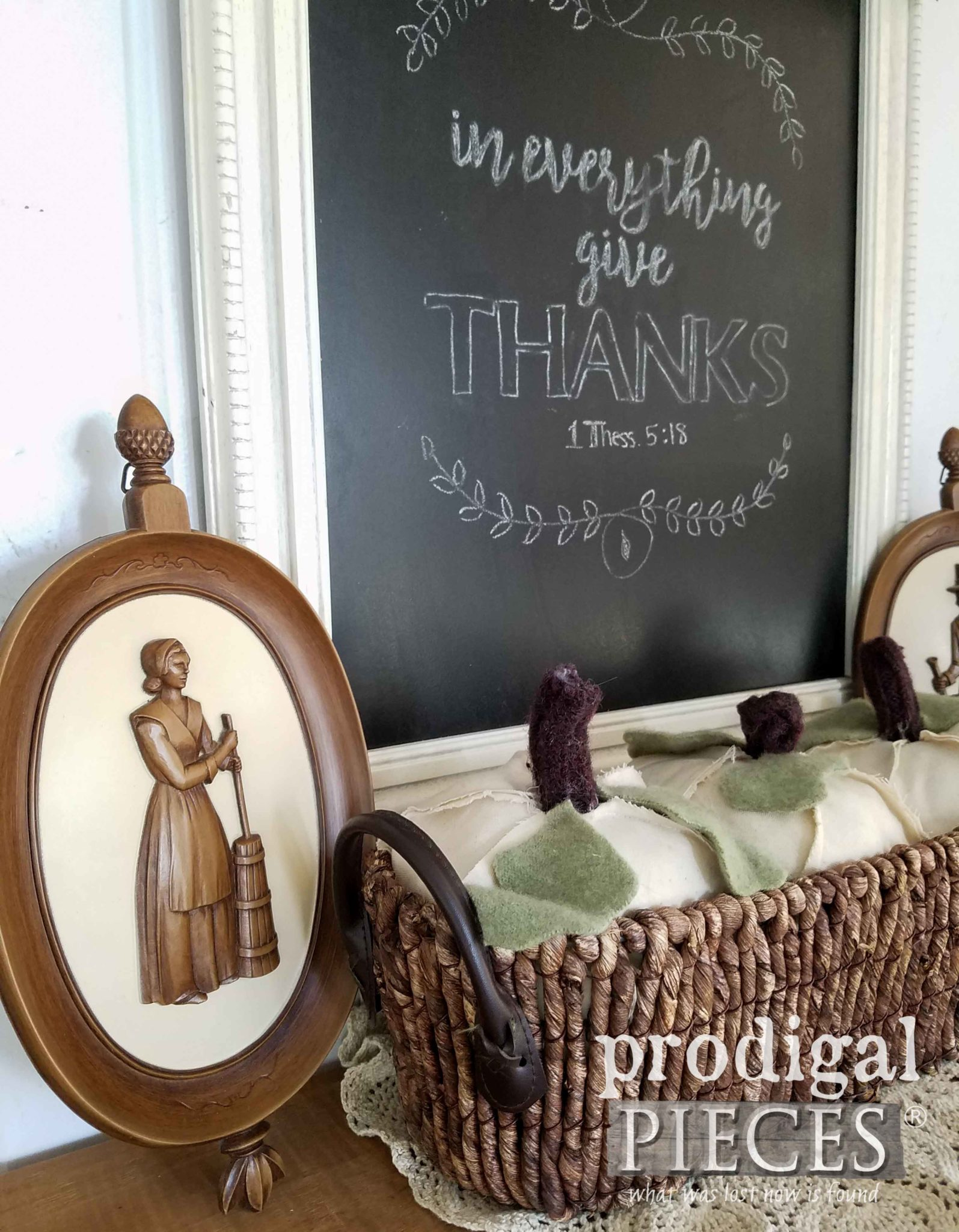 Vintage Syroco Framed Pilgrim Plaques for Thanksgiving Decor | prodigalpieces.com