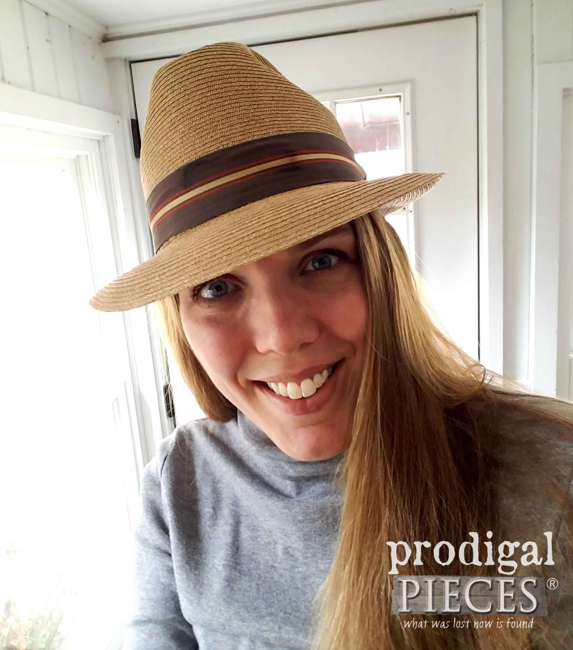 Larissa of Prodigal Pieces in Vintage Hat | prodigalpieces.com