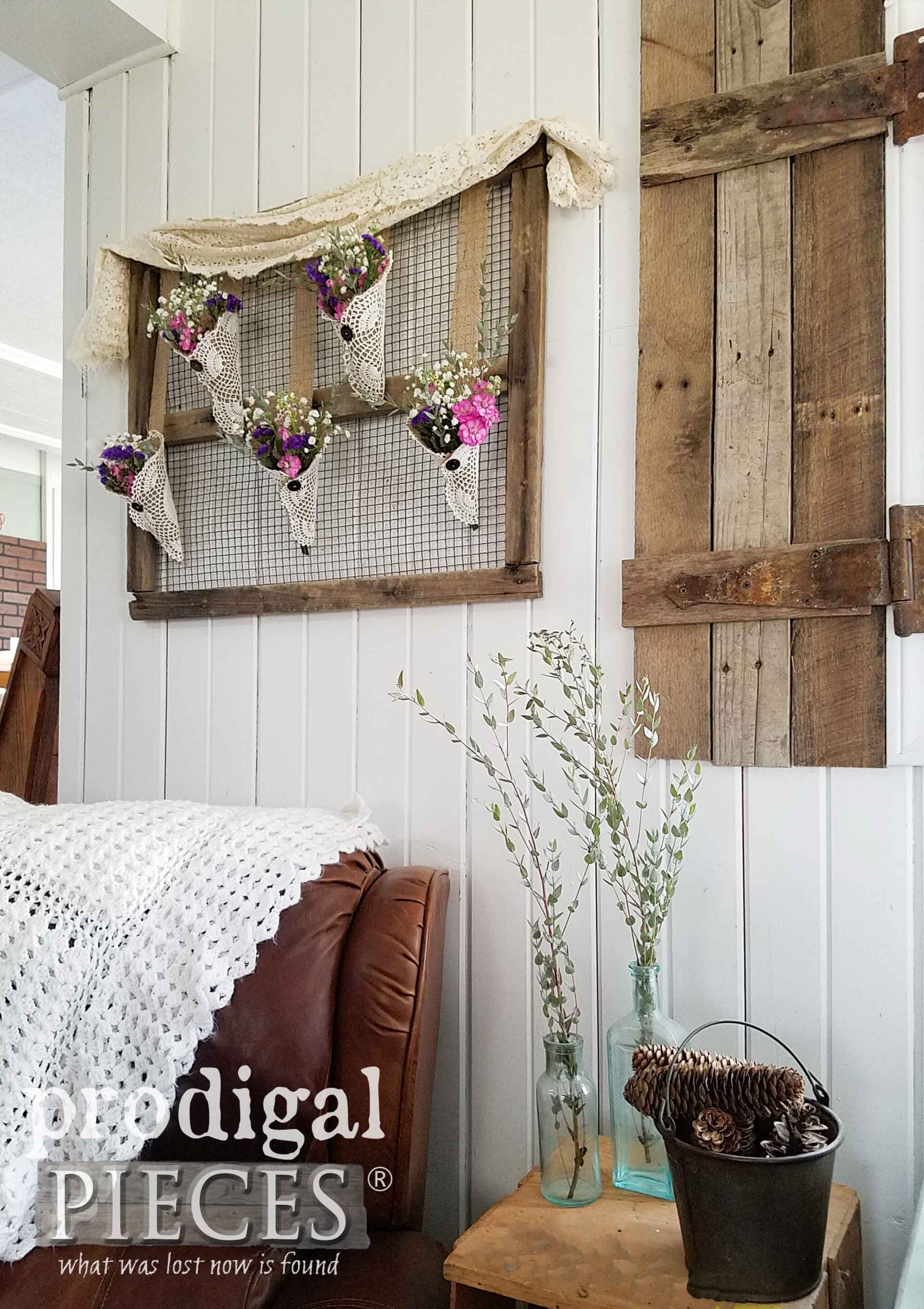 Beautiful and Simple Rustic Chic Farmhouse Decor from Flea Market Finds by Larissa of Prodigal Pieces | prodigalpieces.com