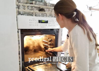 Featured Chemical-Free Oven Cleaning by Larissa of Prodigal Pieces | prodigalpieces.com