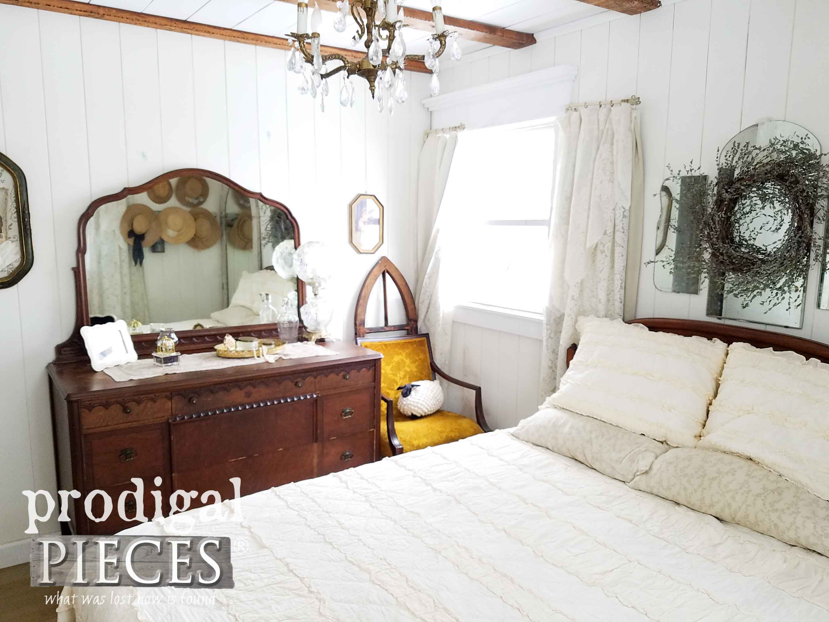 Rustic Elegance in this DIY Farmhouse Bedroom by Prodigal Pieces | prodigalpieces.com