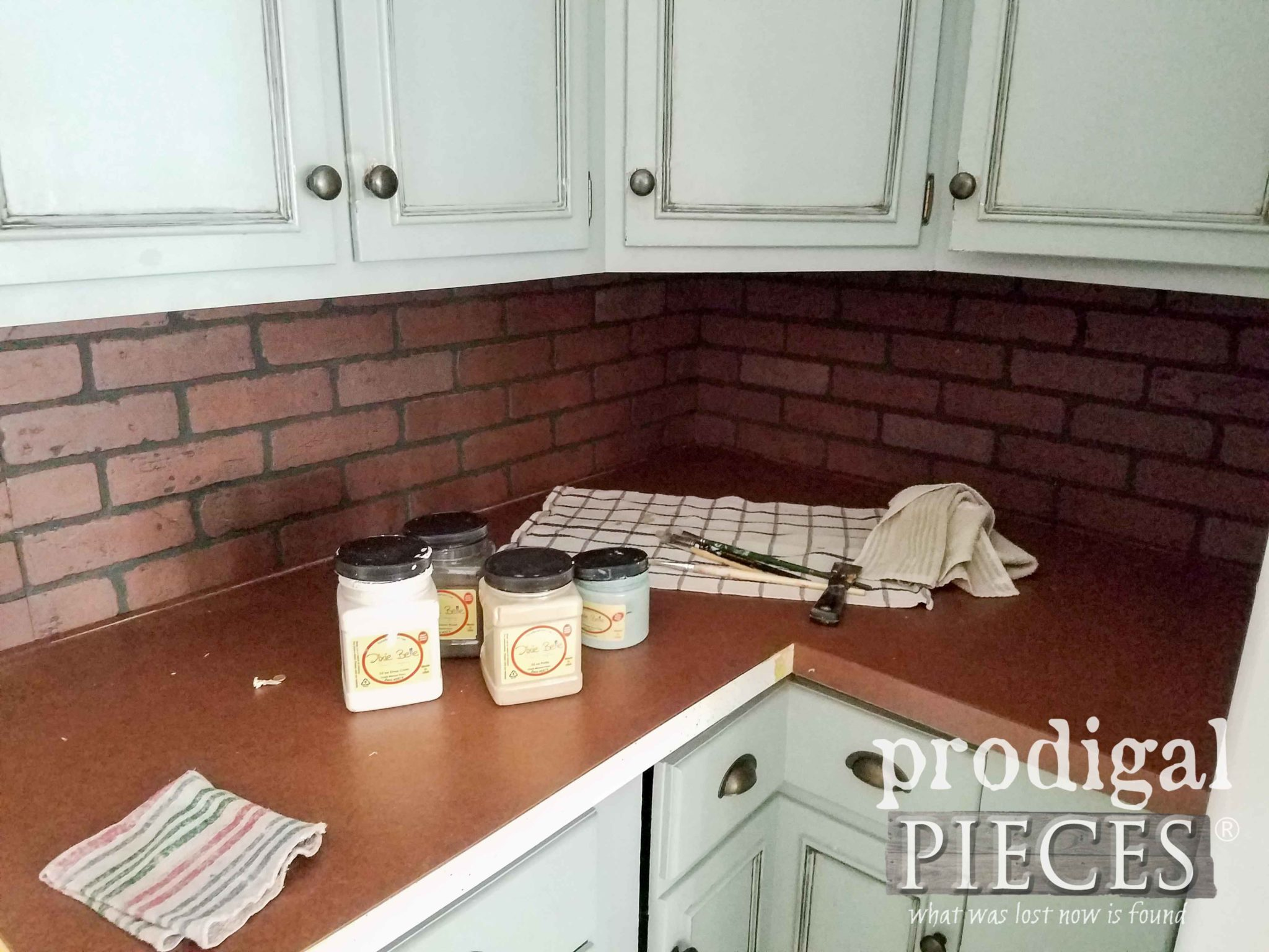 Faux Brick Backsplash Before | prodigalpieces.com