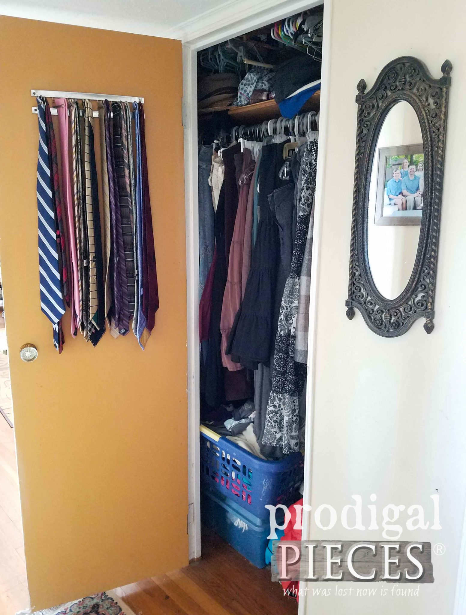 Messy Closet Before Spring Cleaning | progigalpieces.com