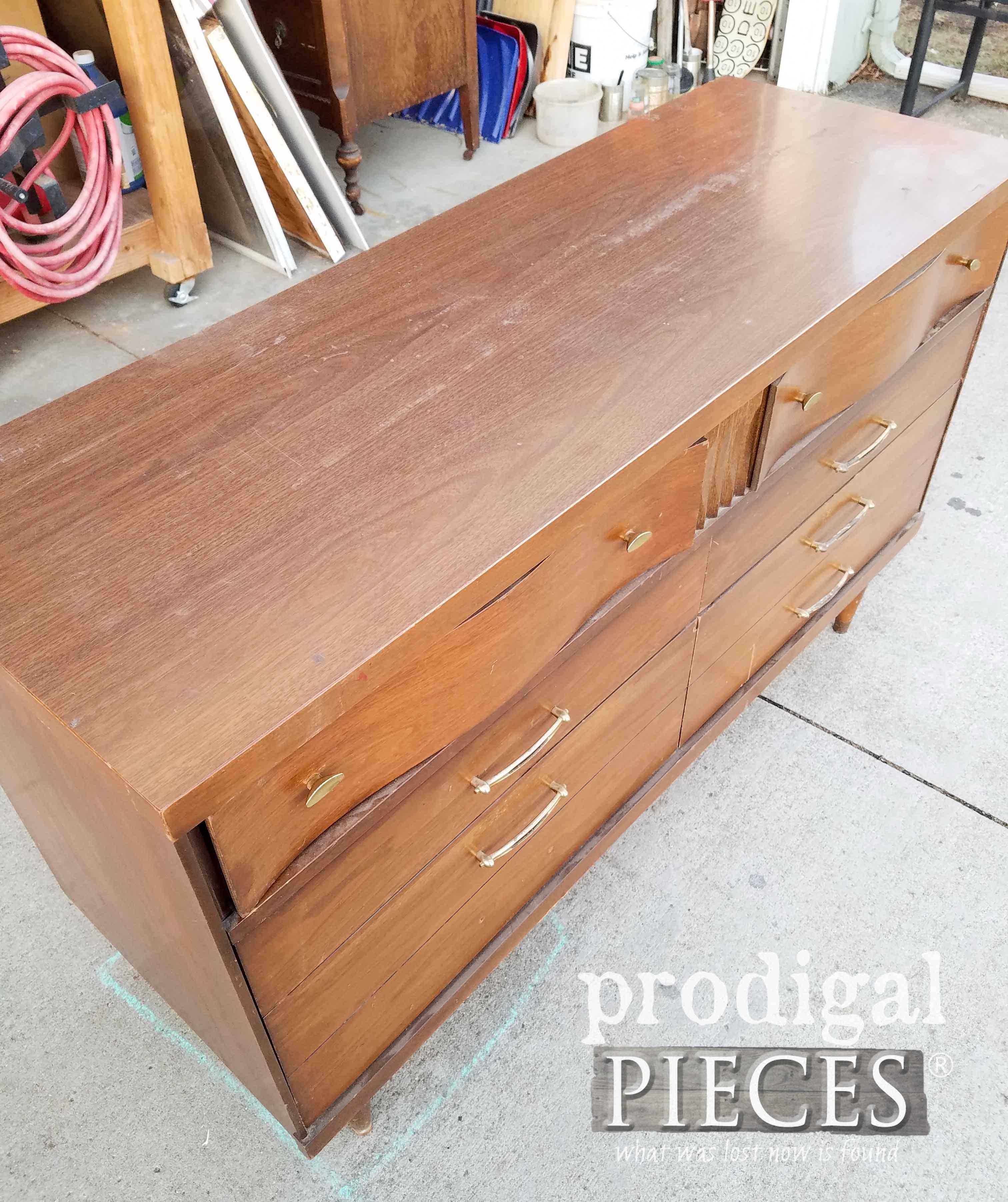 Top of Mid Century Modern Dresser | prodigalpieces.com