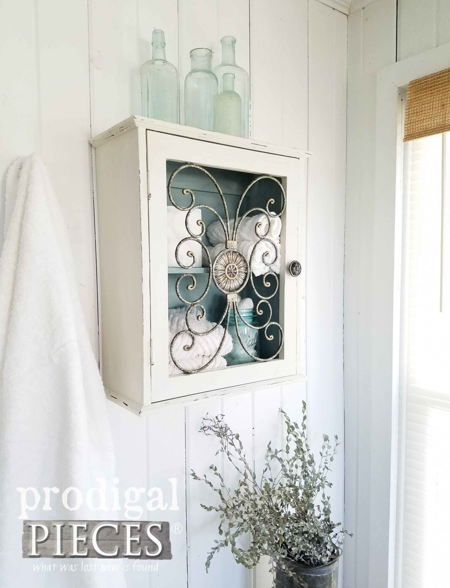 Modern Farmhouse Cottage Style Home Decor Storage for you home. Get the DIY at Prodigal Pieces | prodigalpieces.com
