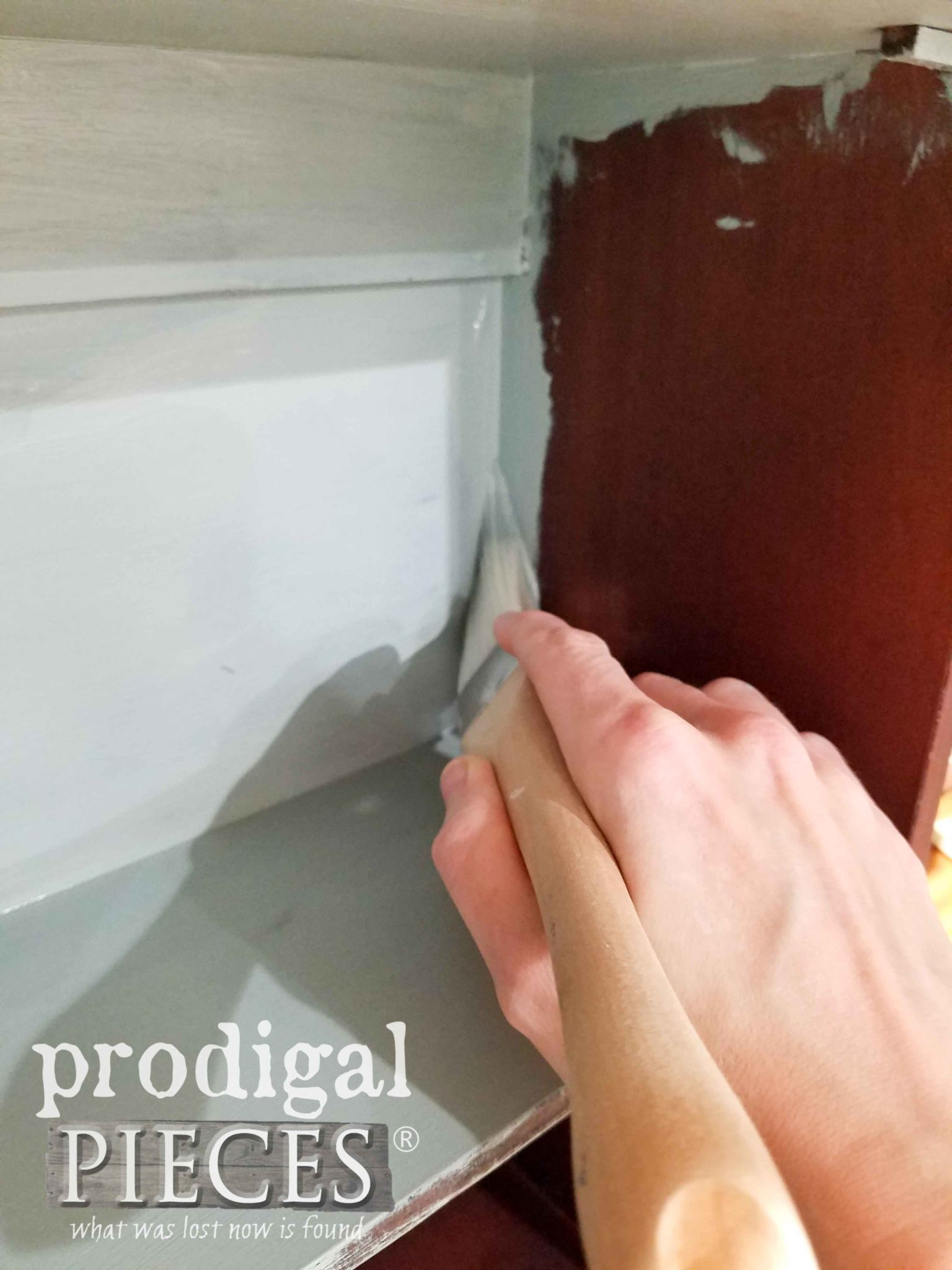Painting Inside of Storage Box | prodigalpieces.com