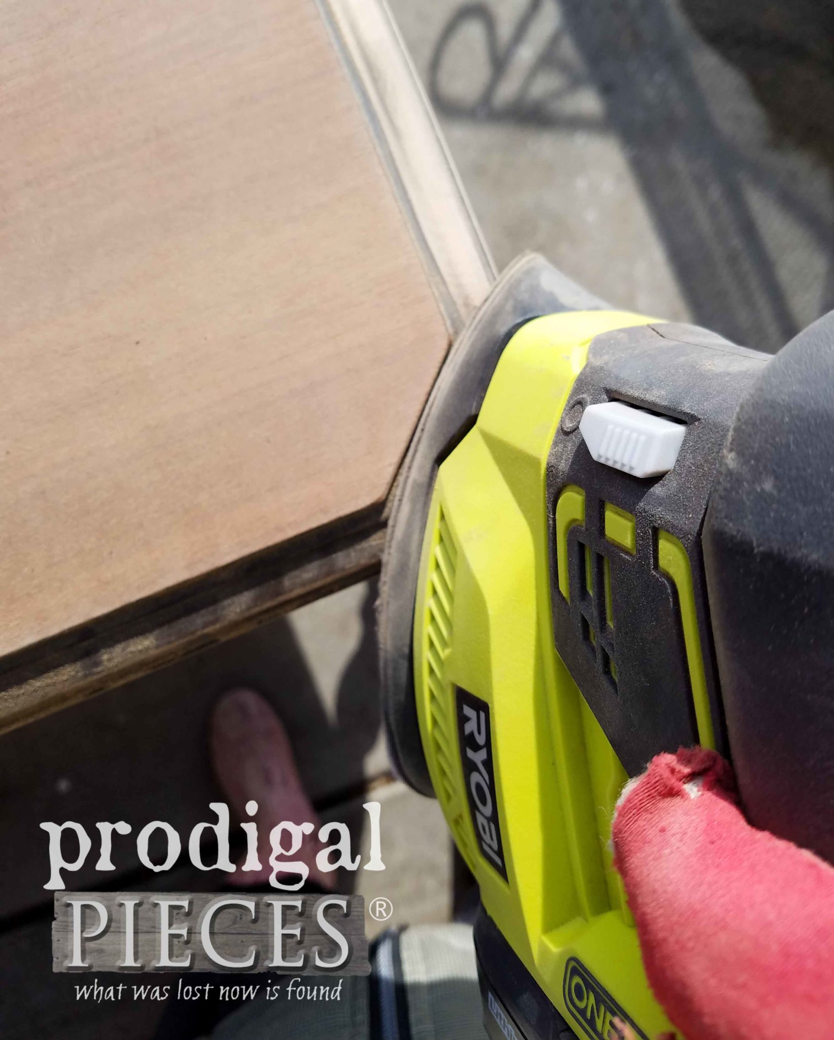 Ryobi Corner Cat Sander for Detailed Sanding | prodigalpieces.com