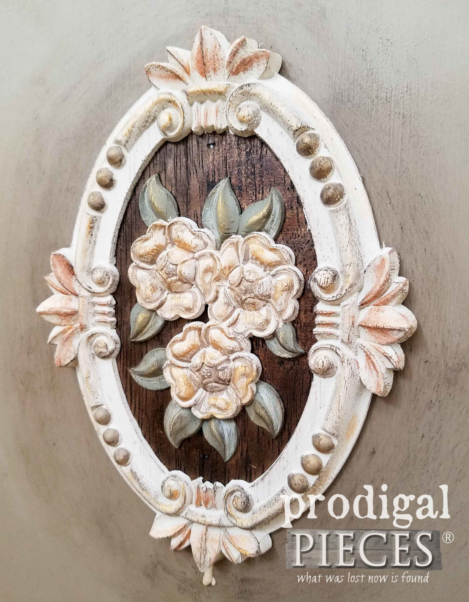 Gilded Wood Applique with Dixie Belle Paint Products by Larissa of Prodigal Pieces | prodigalpieces.com