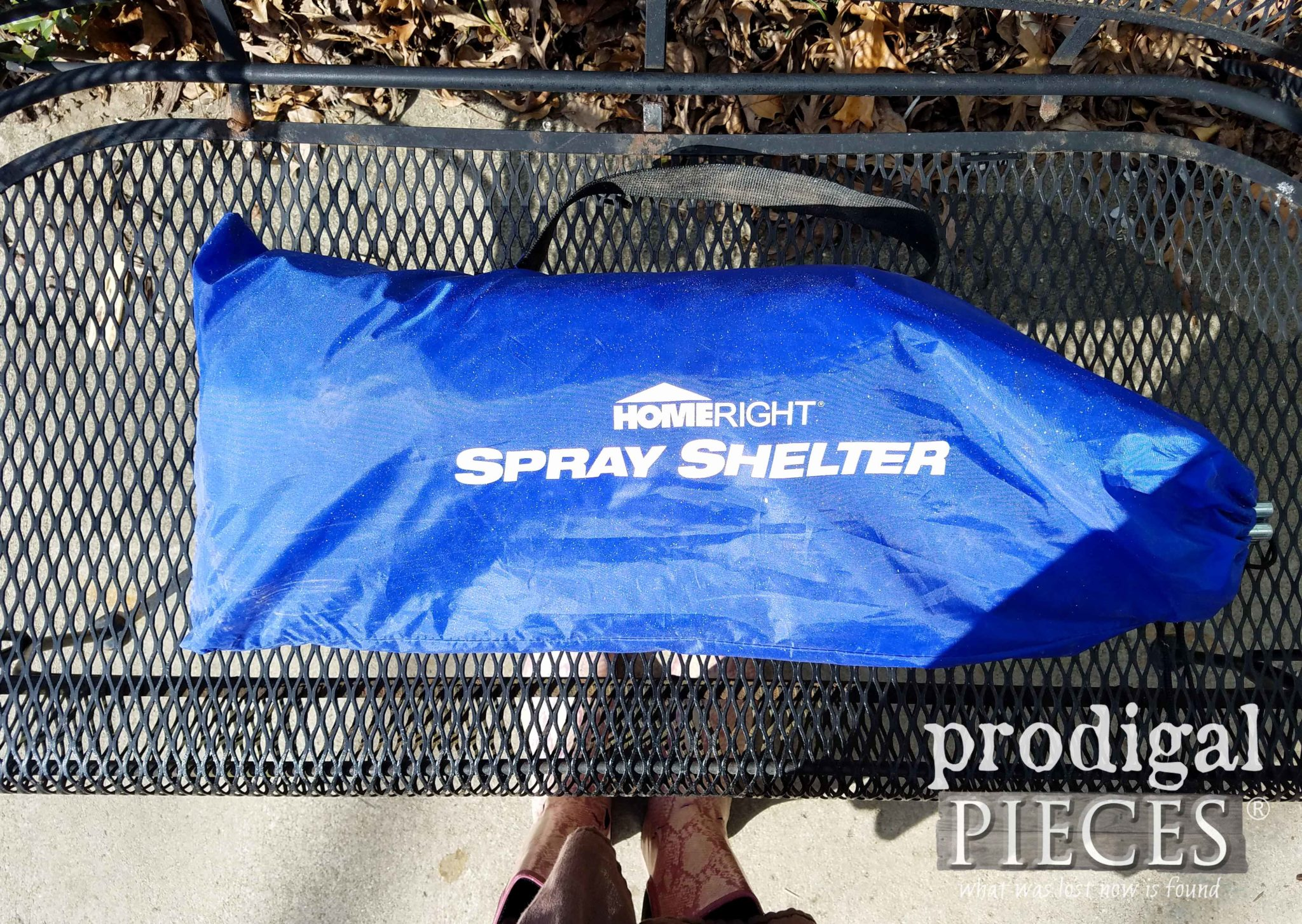 HomeRight Spray Shelter Stores Away Easily | prodigalpieces.com