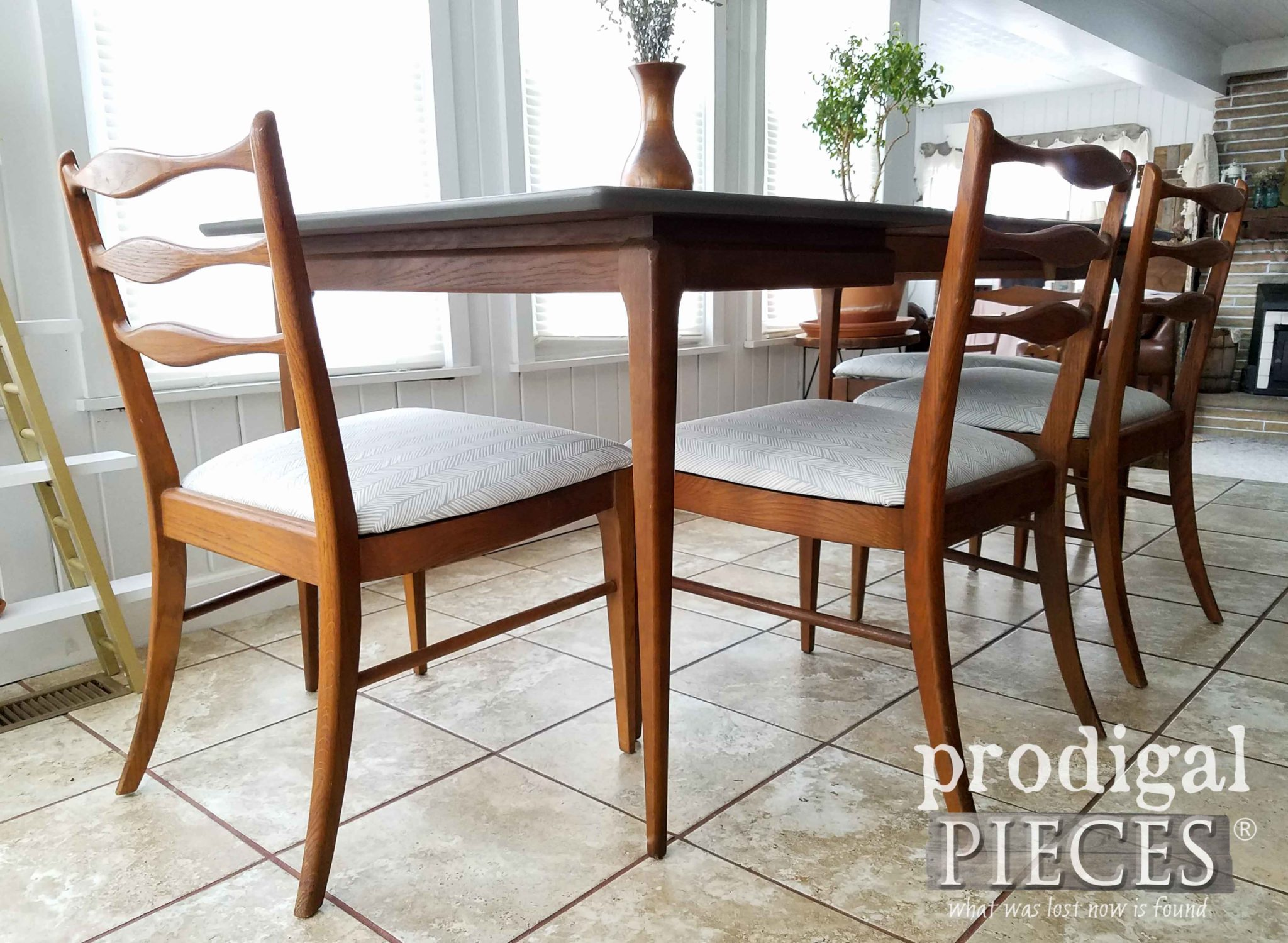 Retro Mid Century Modern Dining Table Set Updated by Larissa of Prodigal Pieces | prodigalpieces.com