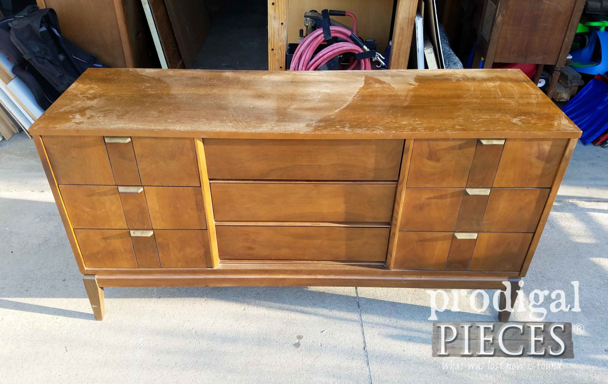 Vintage Stanley Mid Century Modern Dresser Before Makeover by Prodigal Pieces | prodigalpieces.com