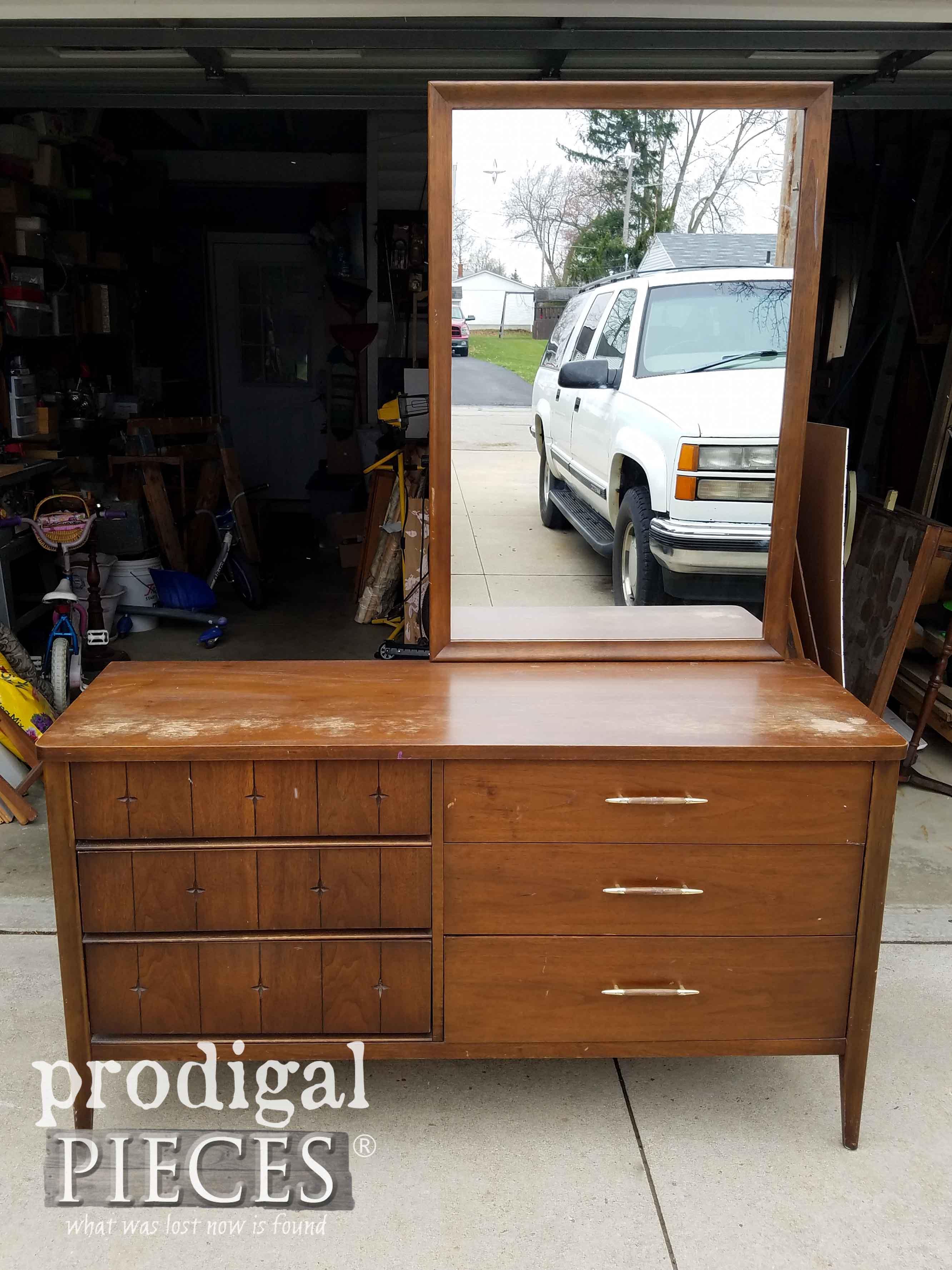 Vintage Broyhill Saga Dresser Before Makeover | prodigalpieces.com