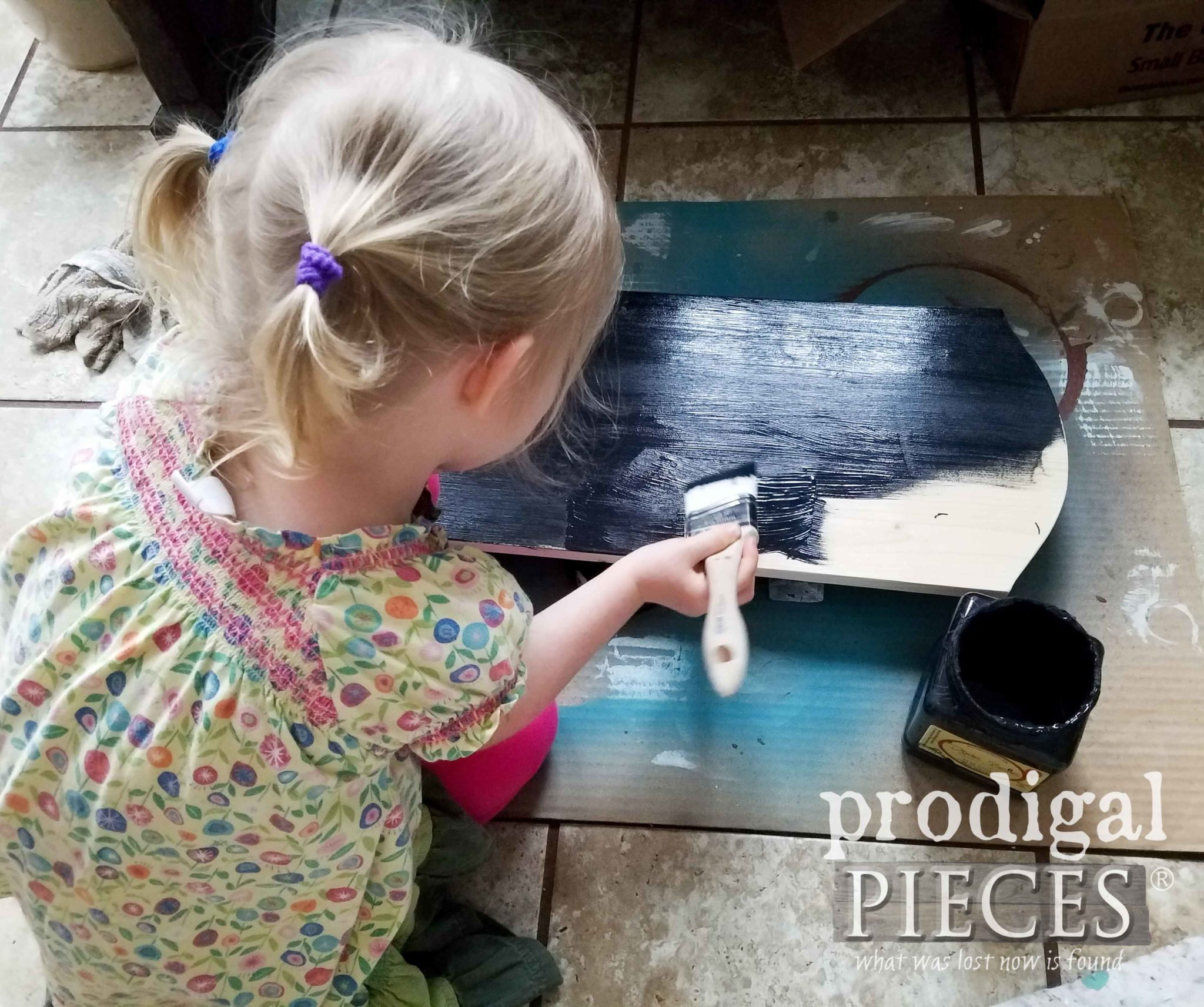 Painting Repurposed Chalkboard Signs with Black Chalk Paint | Prodigal Pieces | prodigalpieces.com