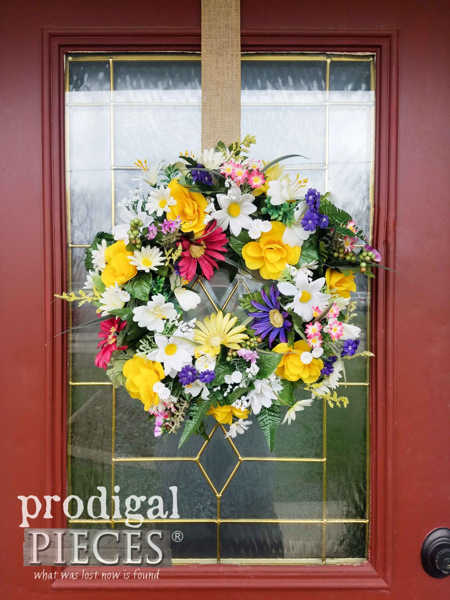 DIY Spring Wreath from Cast-Off Finds by Larissa of Prodigal Pieces | prodigalpieces.com