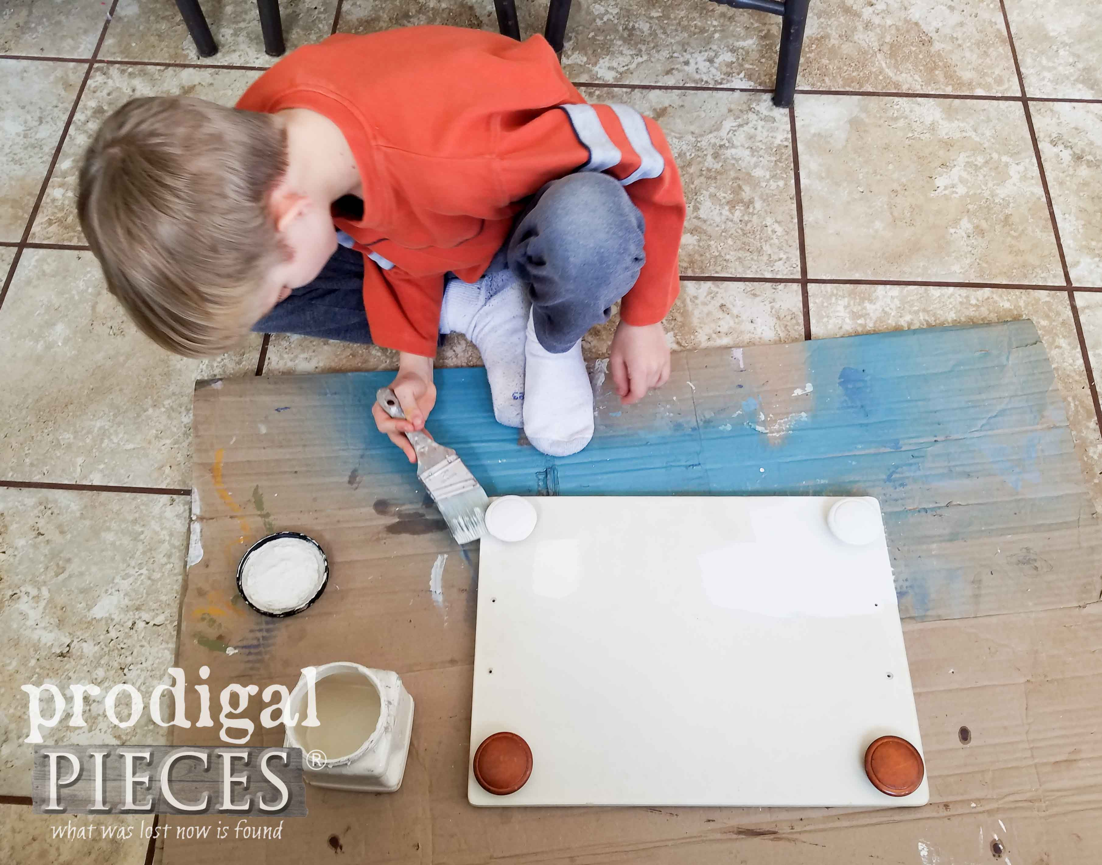 Kid Painting with Natural, Non-Toxic Dixie Belle Paints | prodigalpieces.com