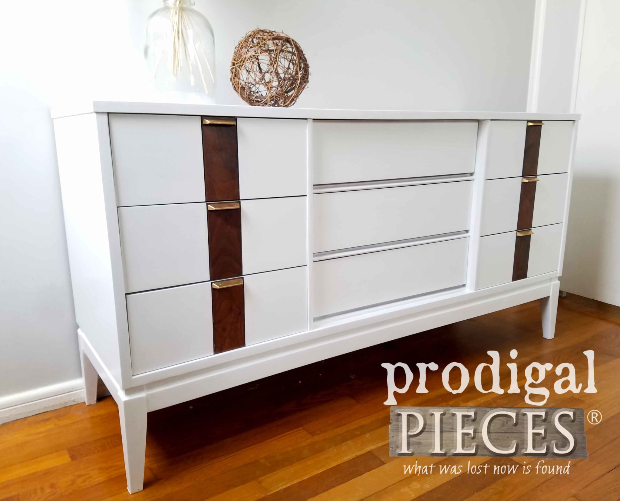 Mid Century Modern Furniture can look so good with a fresh update. See details at prodigalpieces.com