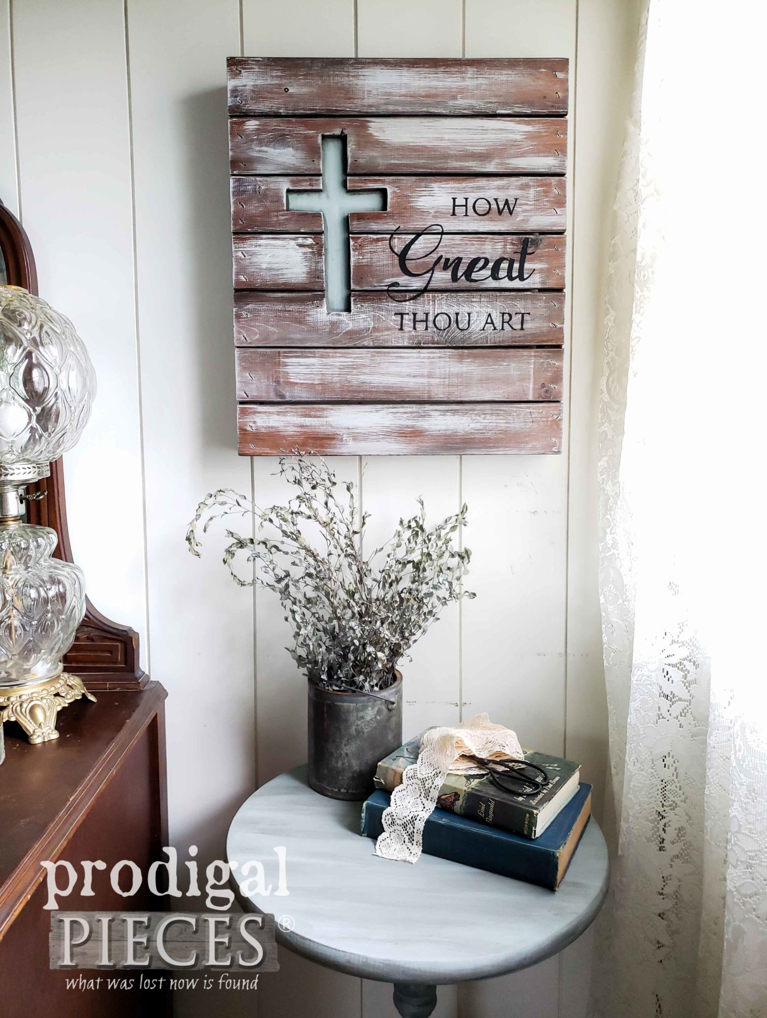 Modern Farmhouse Decor from Upcycled Finds by Larissa of Prodigal Pieces | prodigalpieces.com