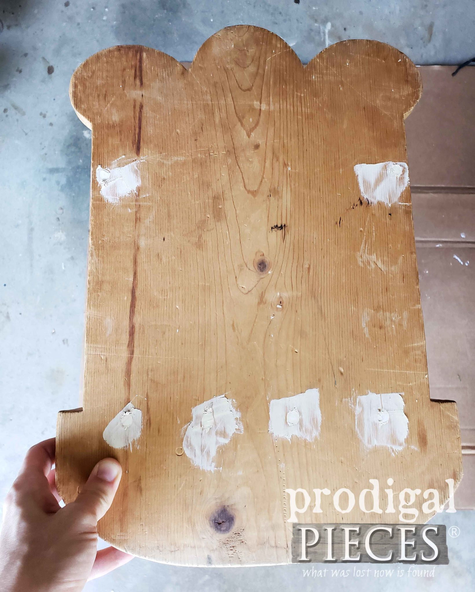 Filling Holes with Dap Wood Filler | prodigalpieces.com