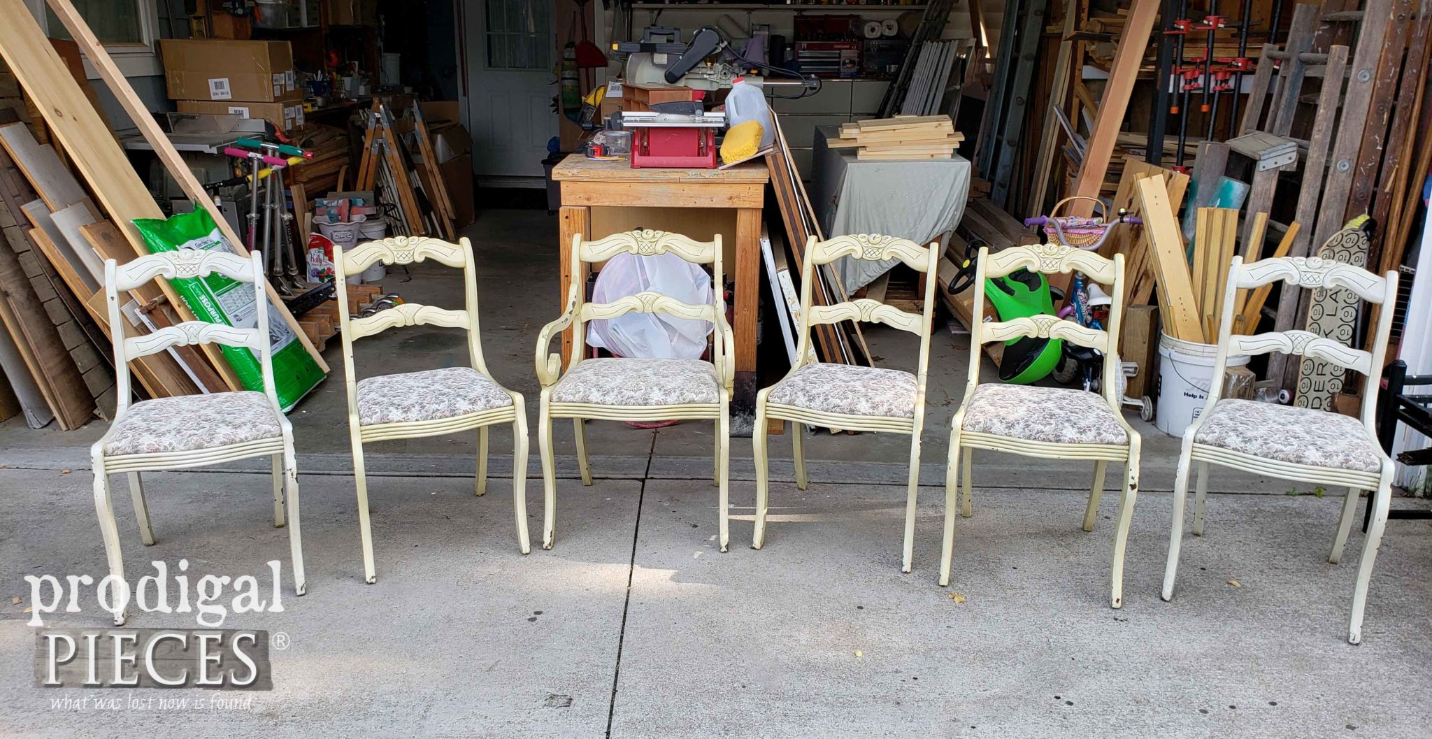 Vintage Rose Back Dining Chairs Found on the Curb | prodigalpieces.com