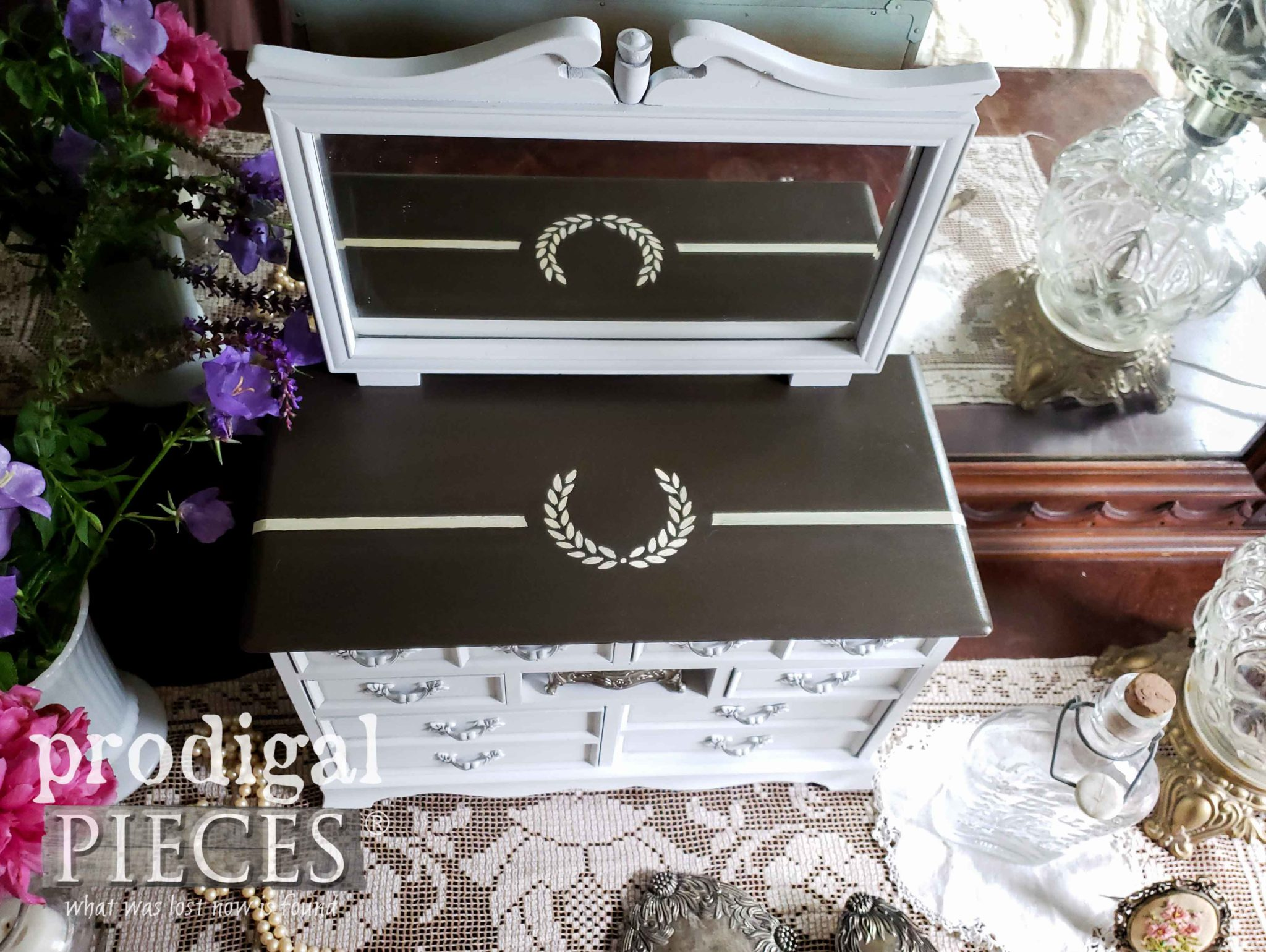 Musical Jewelry Box Top with Laurel Wreath by Larissa of Prodigal Pieces | prodigalpieces.com