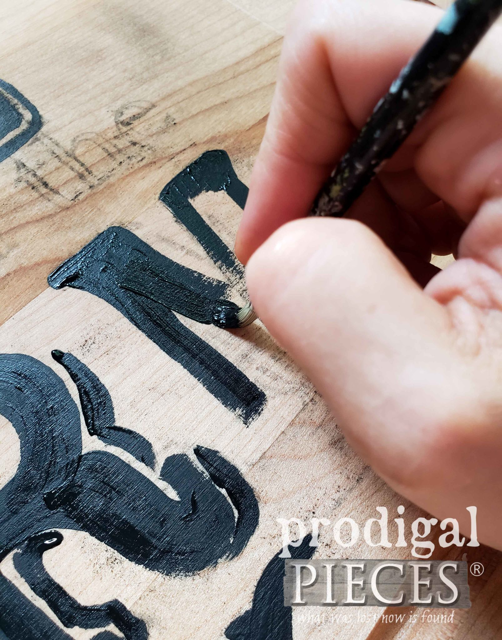 Creating a Hand-Painted Repurposed Cutting Board Tray by Larissa of Prodigal Pieces | prodigalpieces.com