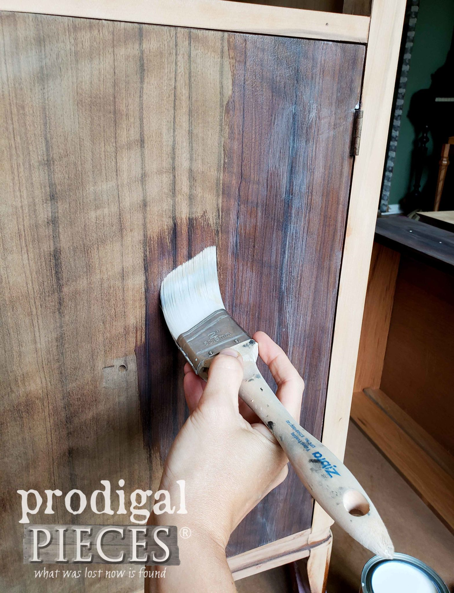 Zibra Angled Brush for Buffet Clear Coat | prodigalpieces.com